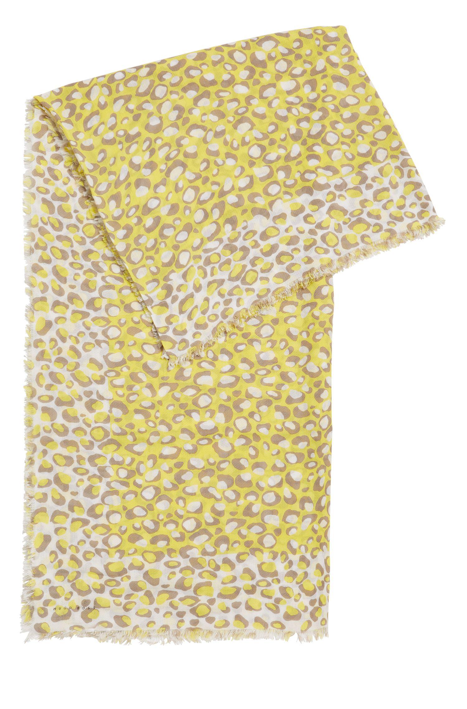 Pañuelo rectangular con precioso estampado de jirafa