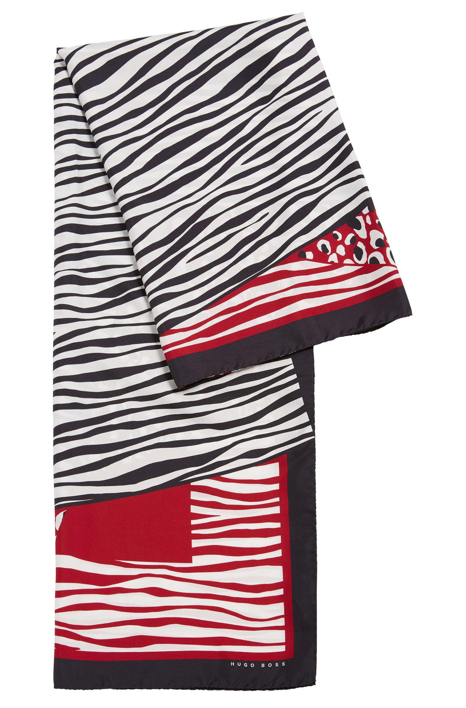 Sciarpa in seta con eclettico motivo a patchwork