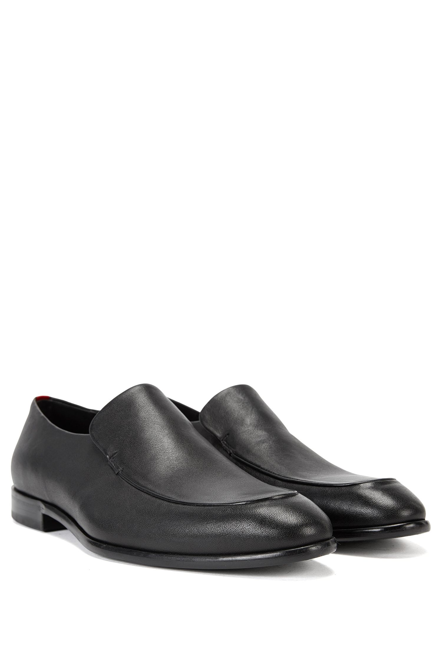 Leather loafers with piping detail