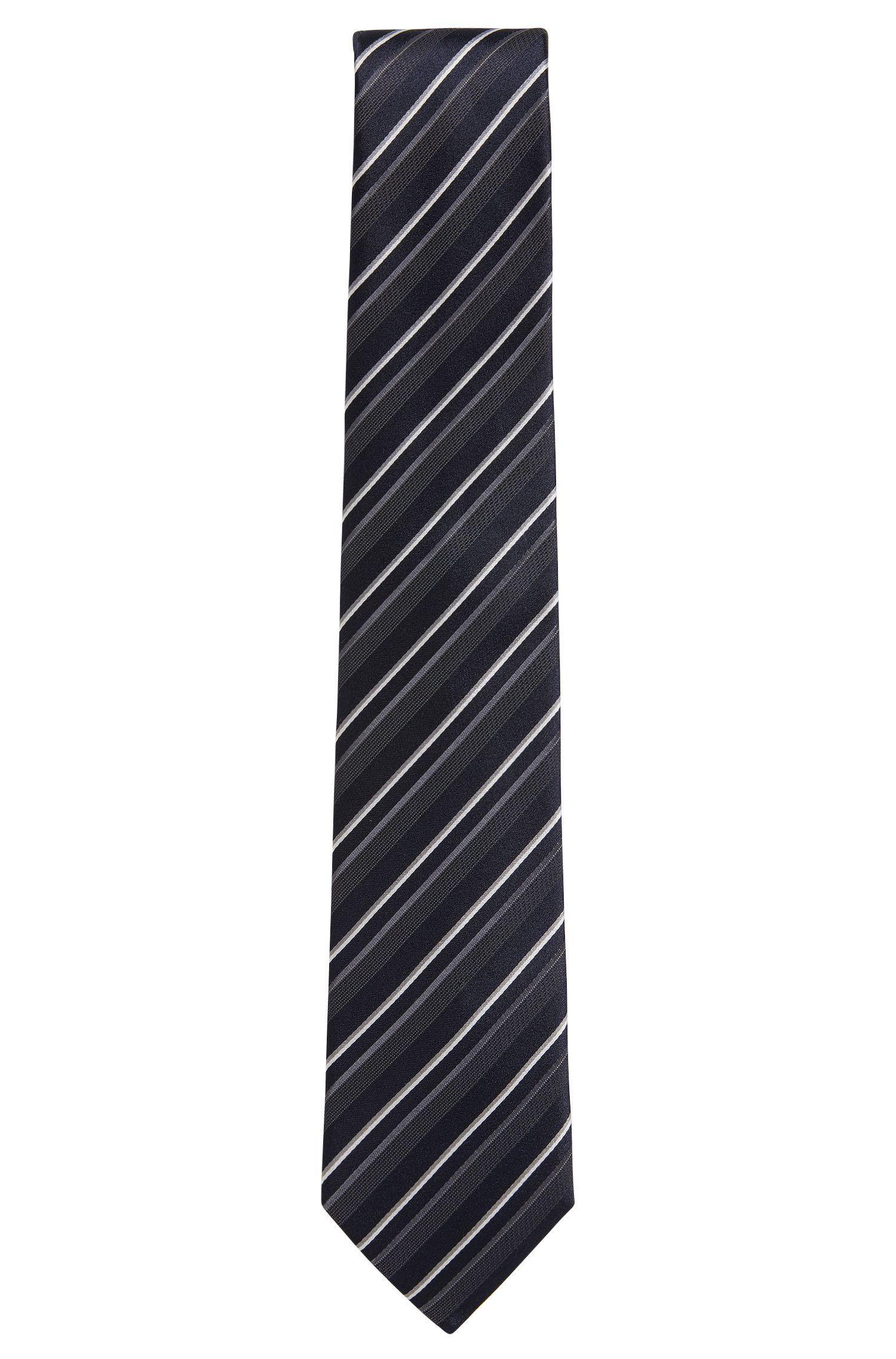 Cravatta jacquard in seta a disegni realizzata in Italia