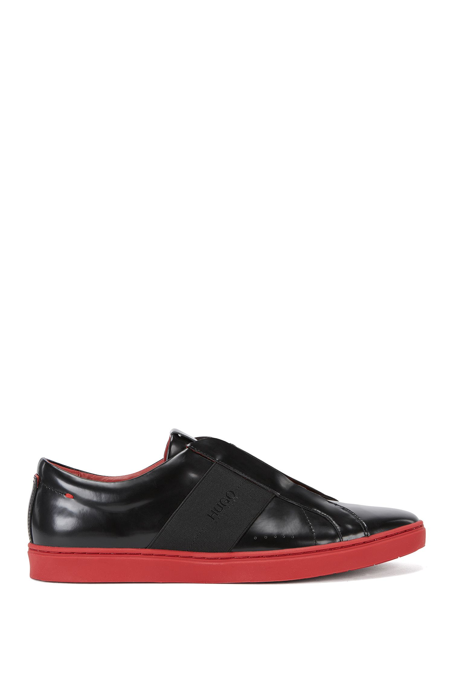 Sneakers in pelle slip-on con dettagli elastici