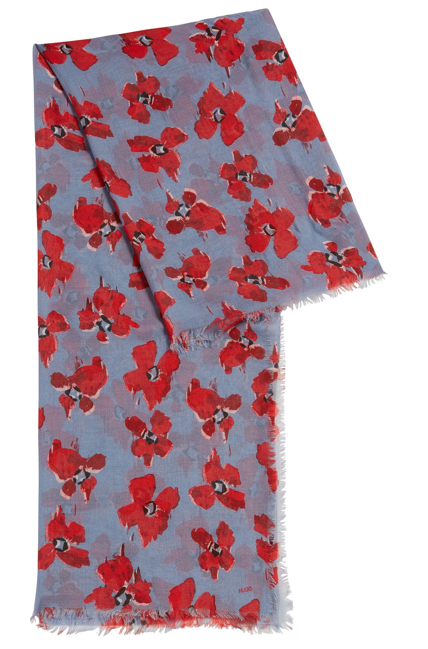 Pañuelo ligero en exquisito modal con estampado de flores
