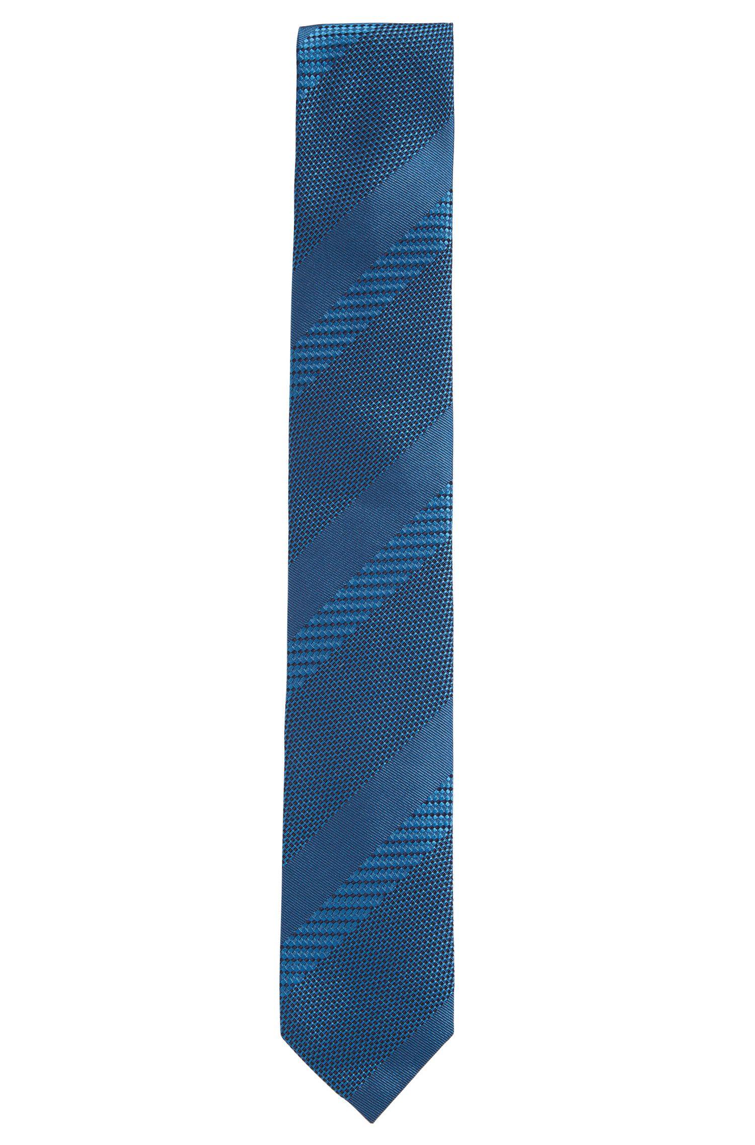 Silk jacquard tie with textured stripes