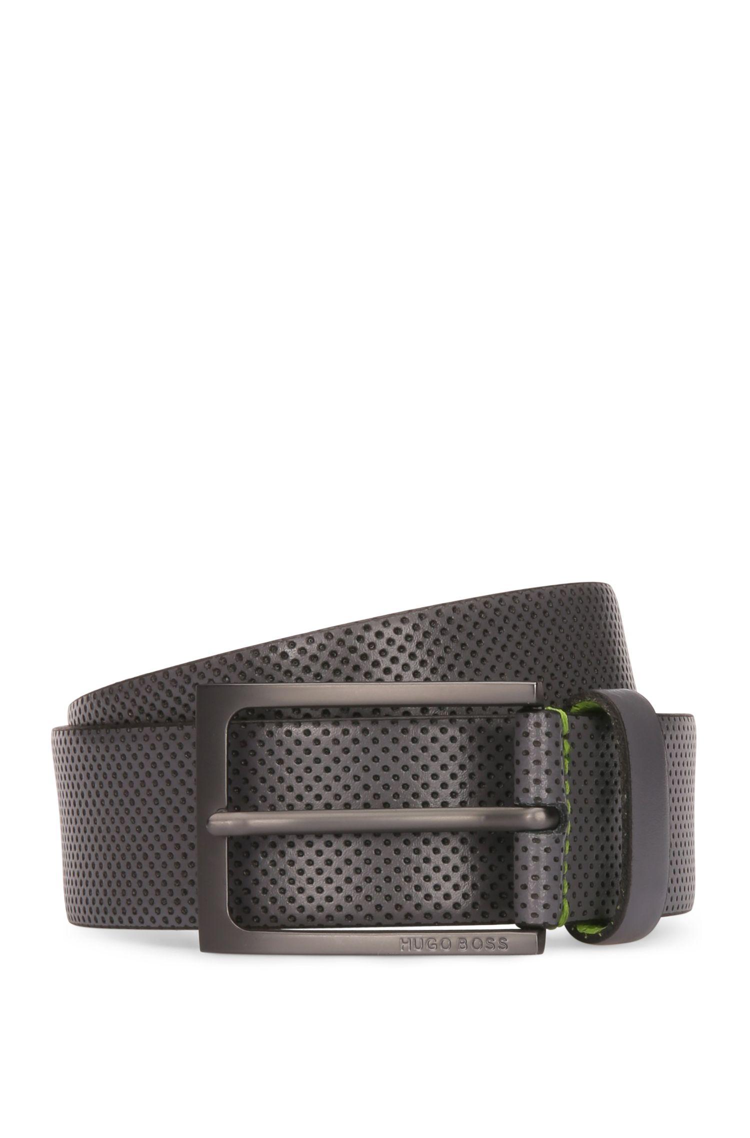 Cinturón de piel con perforado contrastado
