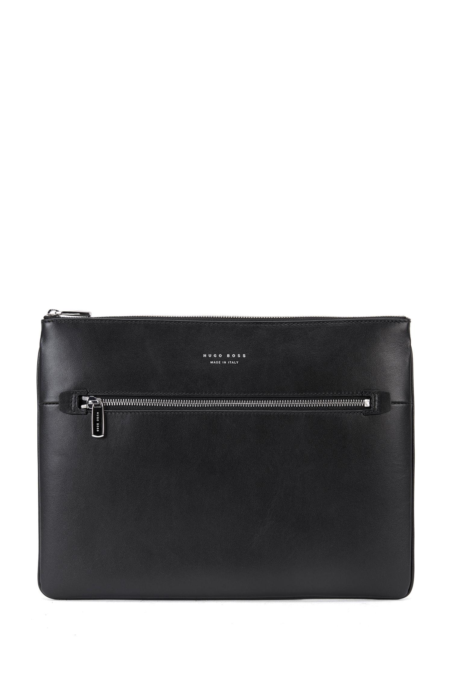 Portfolio case in soft leather with zip closure