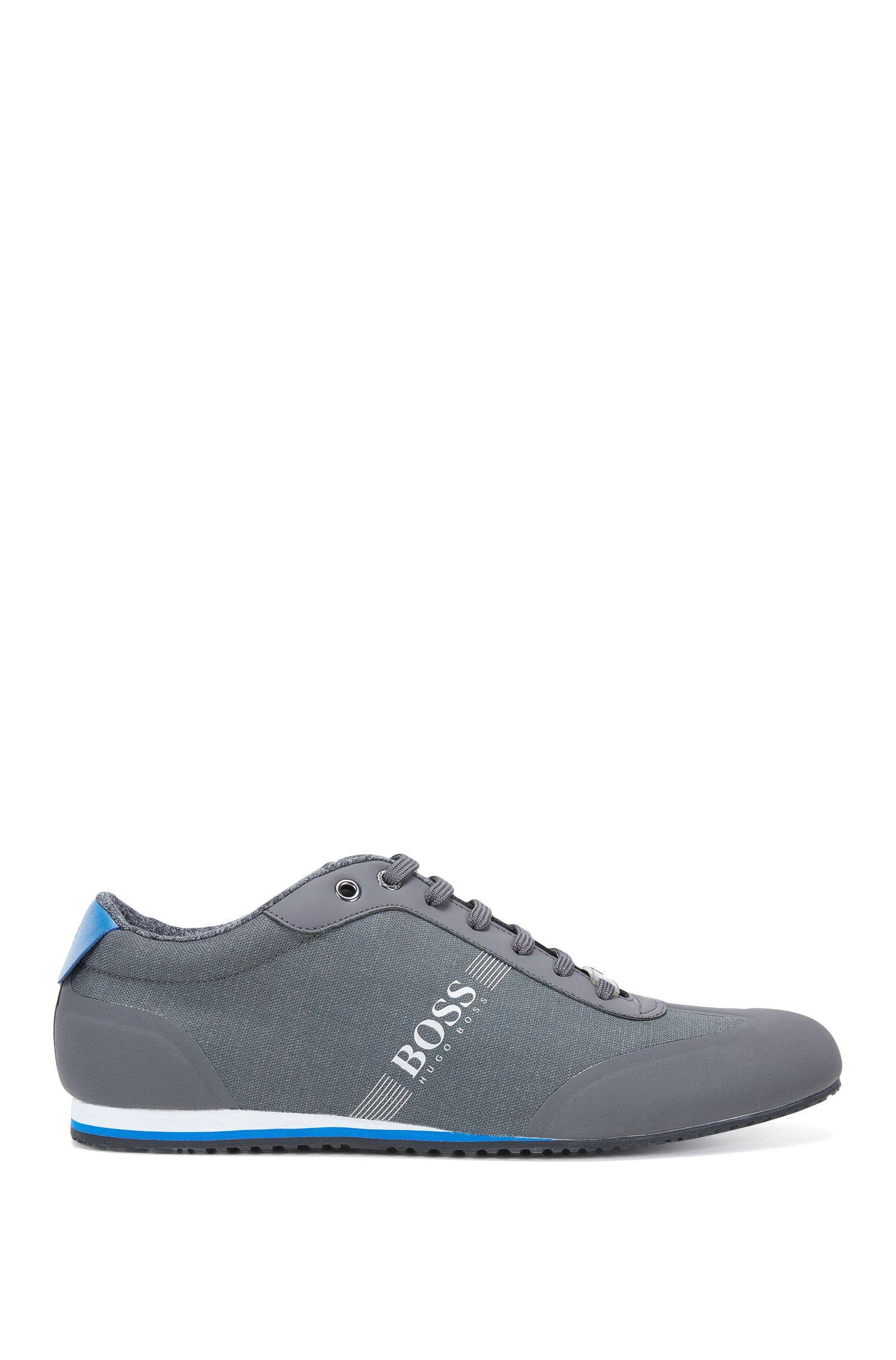 Sneakers stringate con inserti in denim