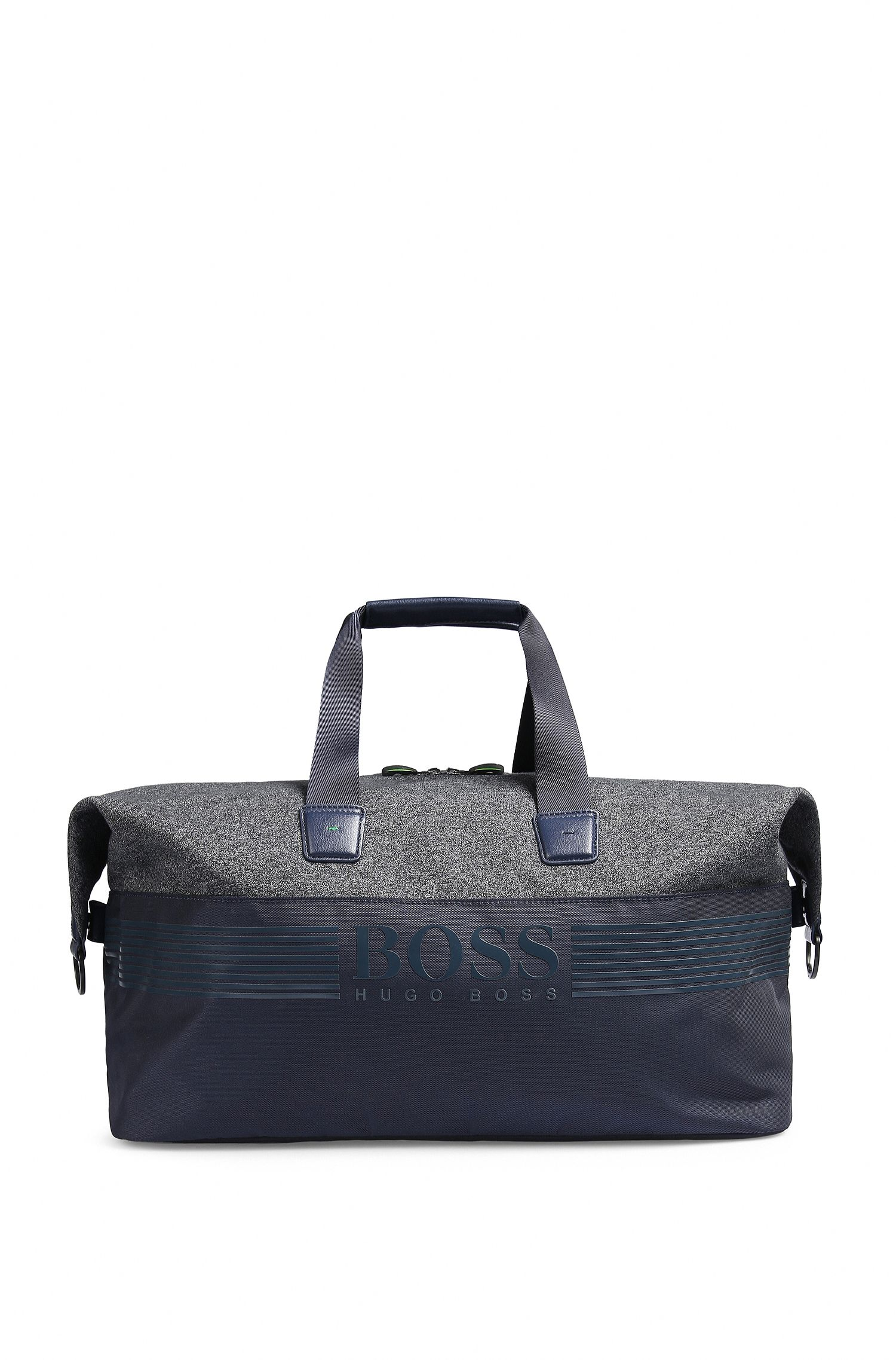 Sporty weekend bag in nylon and jersey