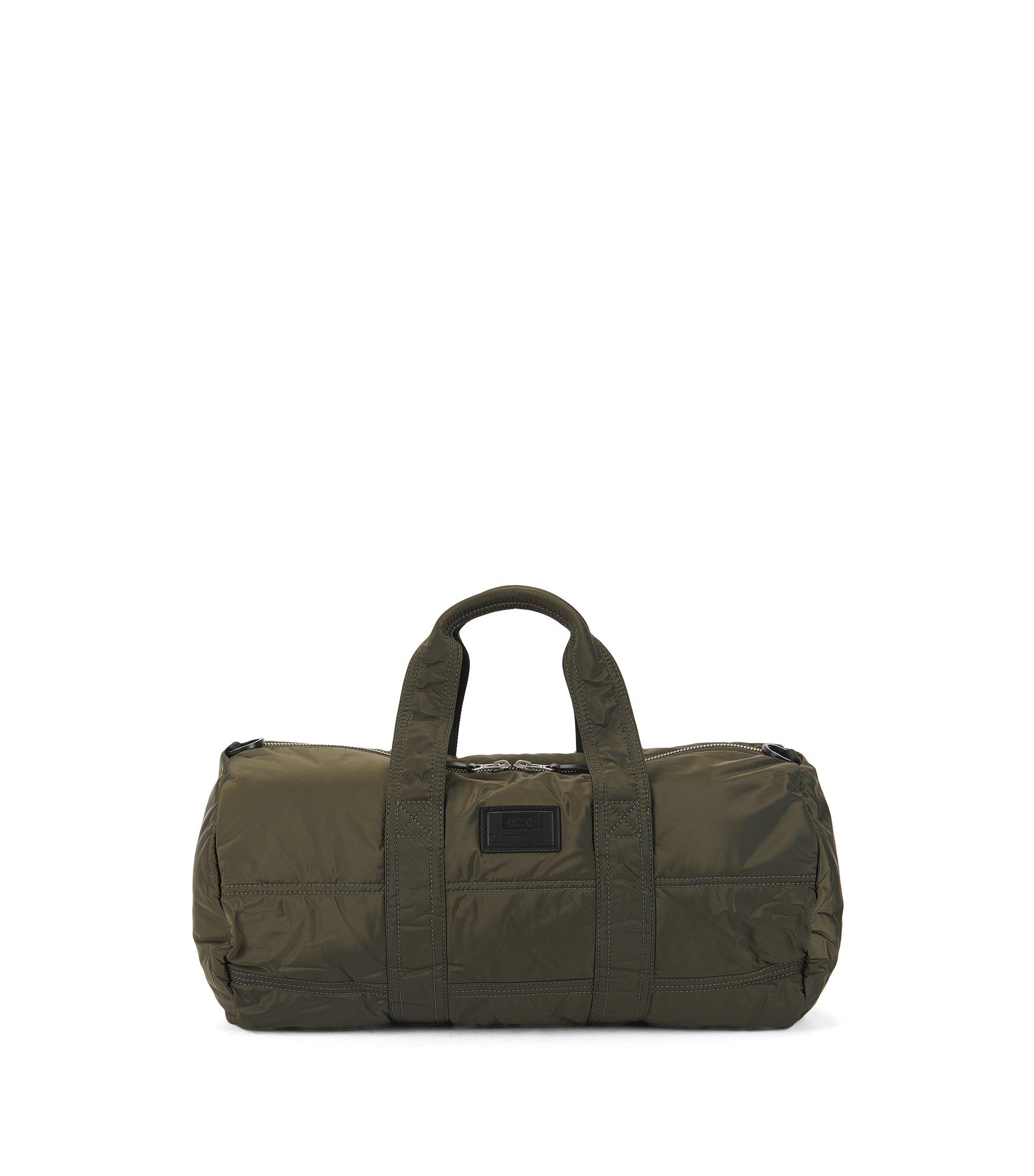Gesteppte Sporttasche aus Material-Mix mit personalisierbarer Applikation, Dunkelgrün