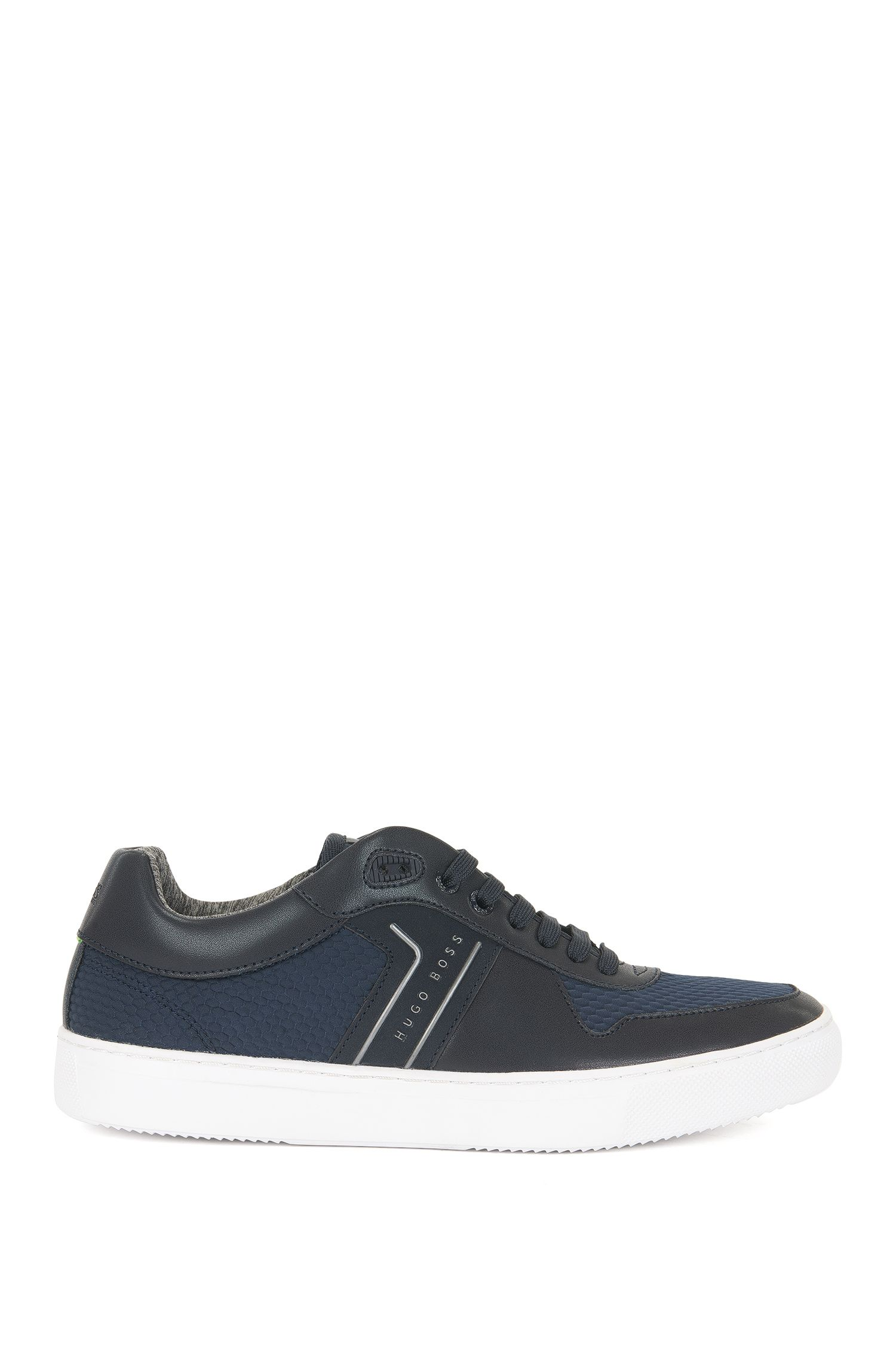 Tennis-style trainers with Strobel construction
