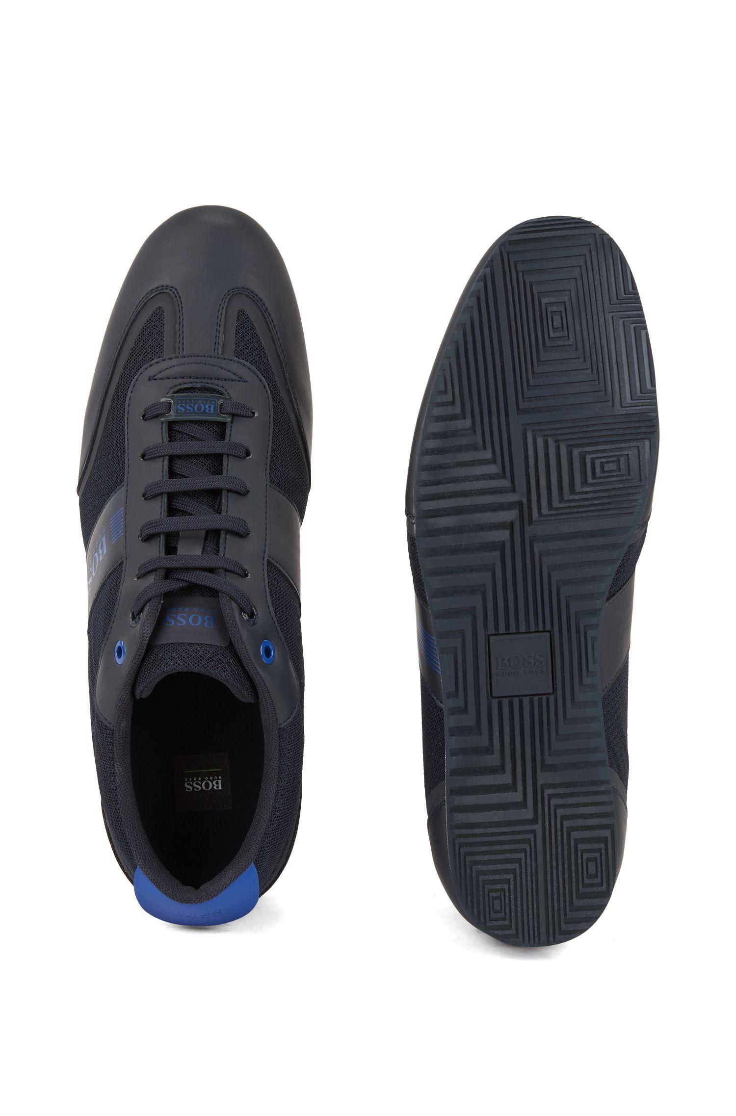 Sneakers mit Schnürung und Mesh-Detail