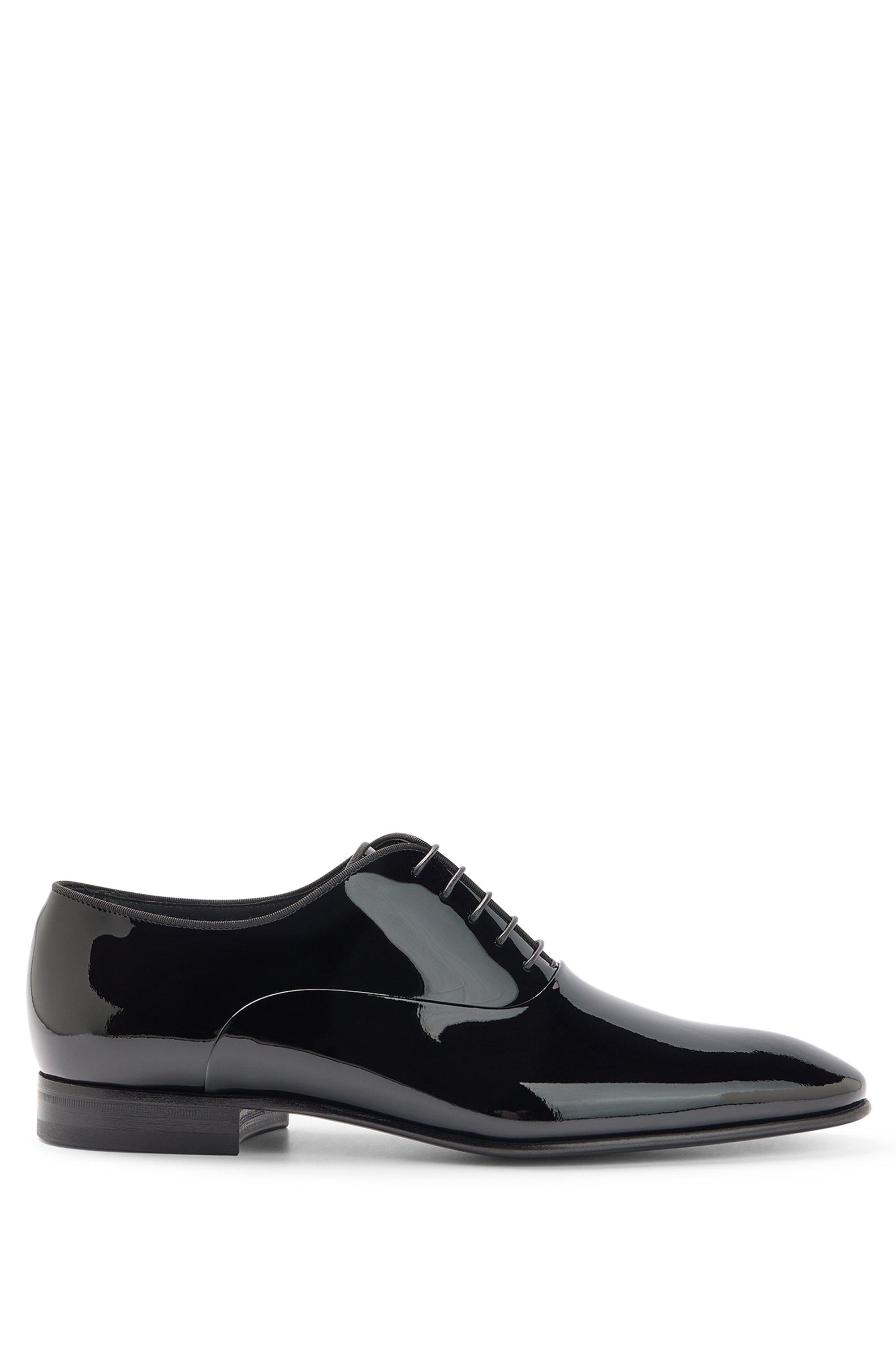 Oxford-Schuhe aus Lackleder mit Ripsband-Paspeln, Schwarz