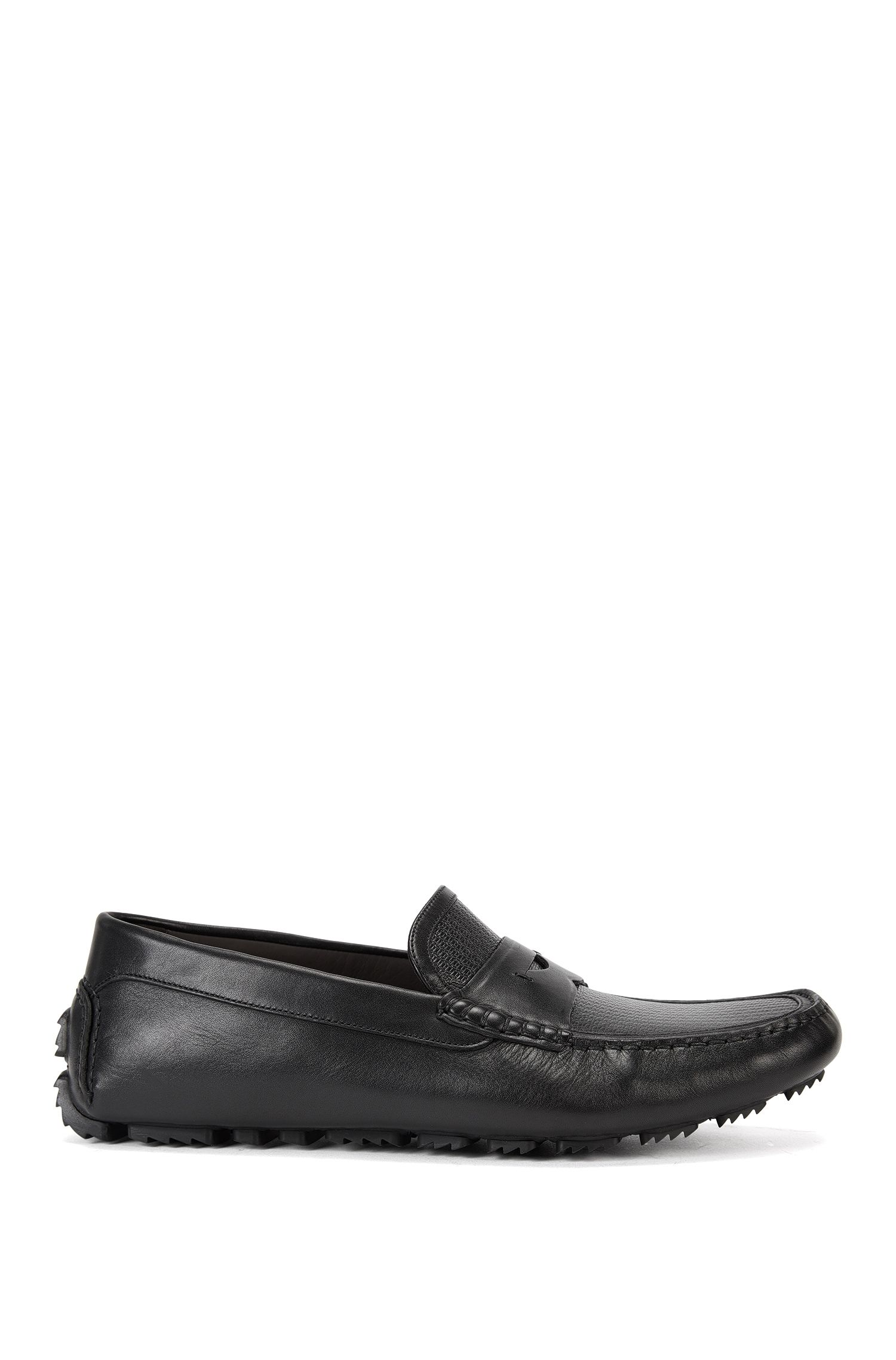Leather driver shoes with moccasin detail