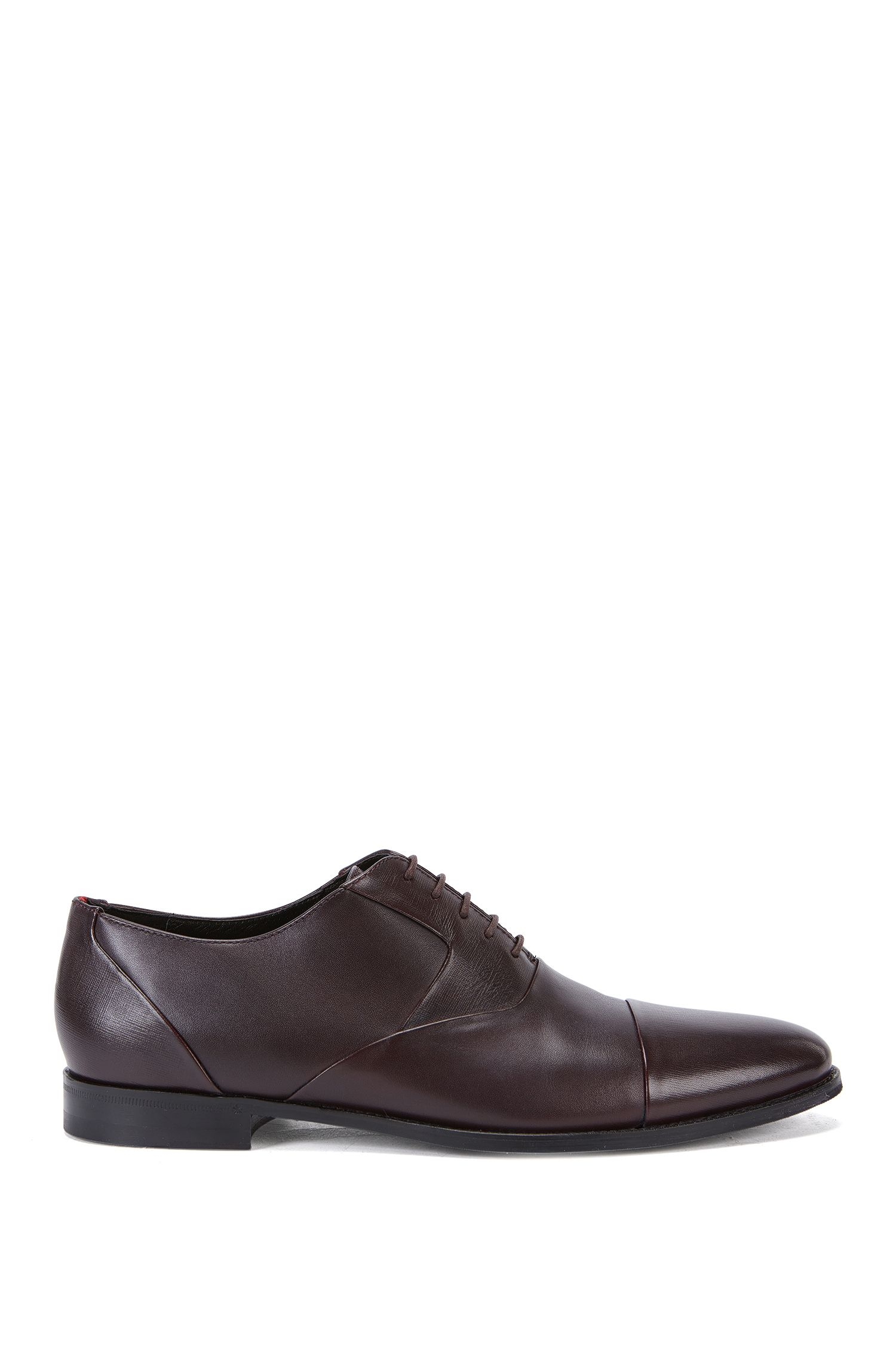 Leather Oxford shoes with Saffiano detail