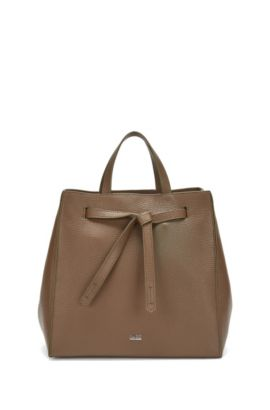 Leather tote bag with modern drawstring closure , Khaki