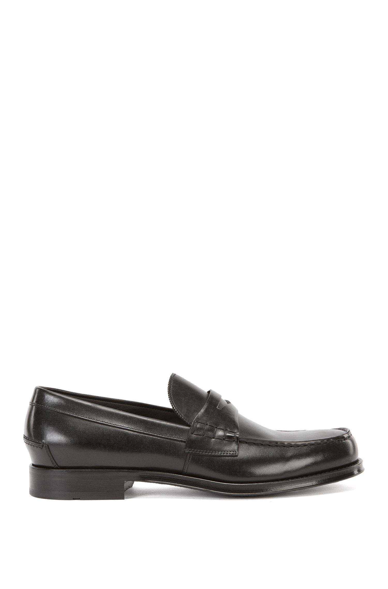 Leather loafers with moccasin detail
