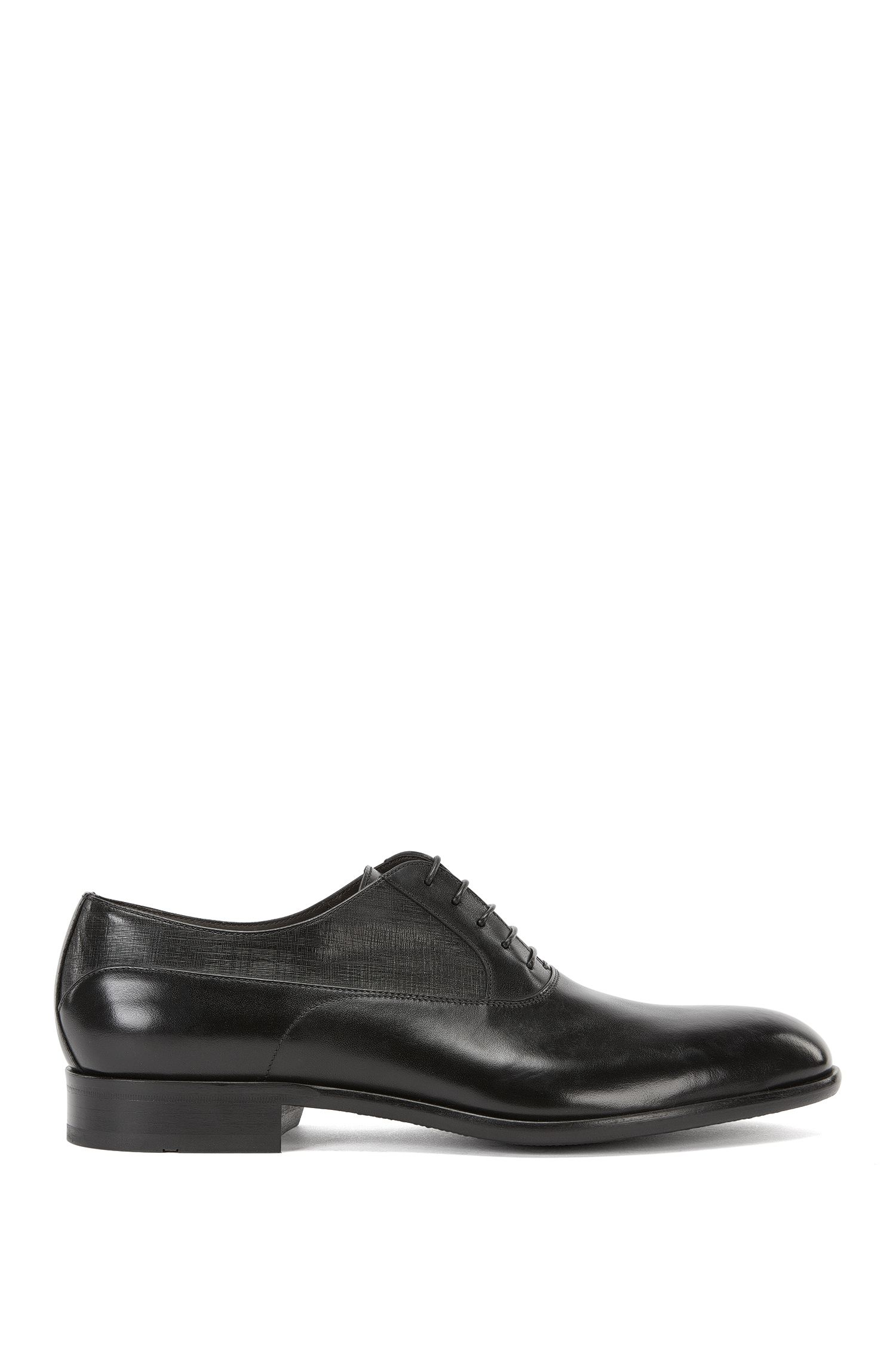 Oxford shoes with printed leather panels