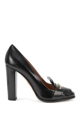 Leather pumps with logo-engraved detail, Black