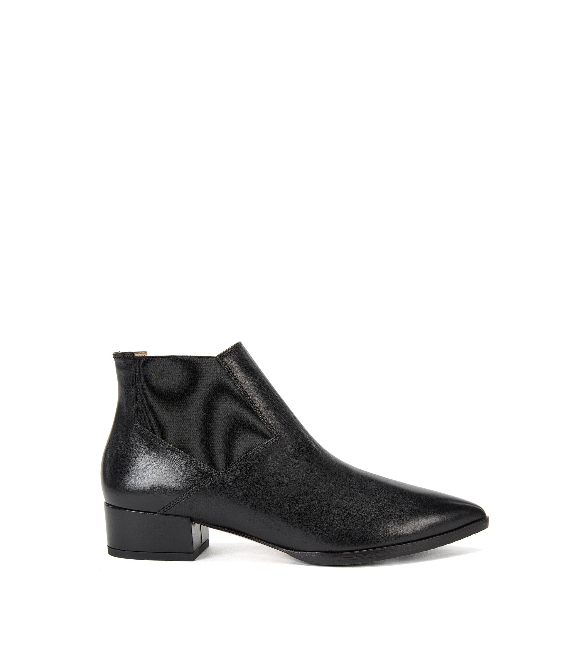 Leather Chelsea boots with pointed toe, Black