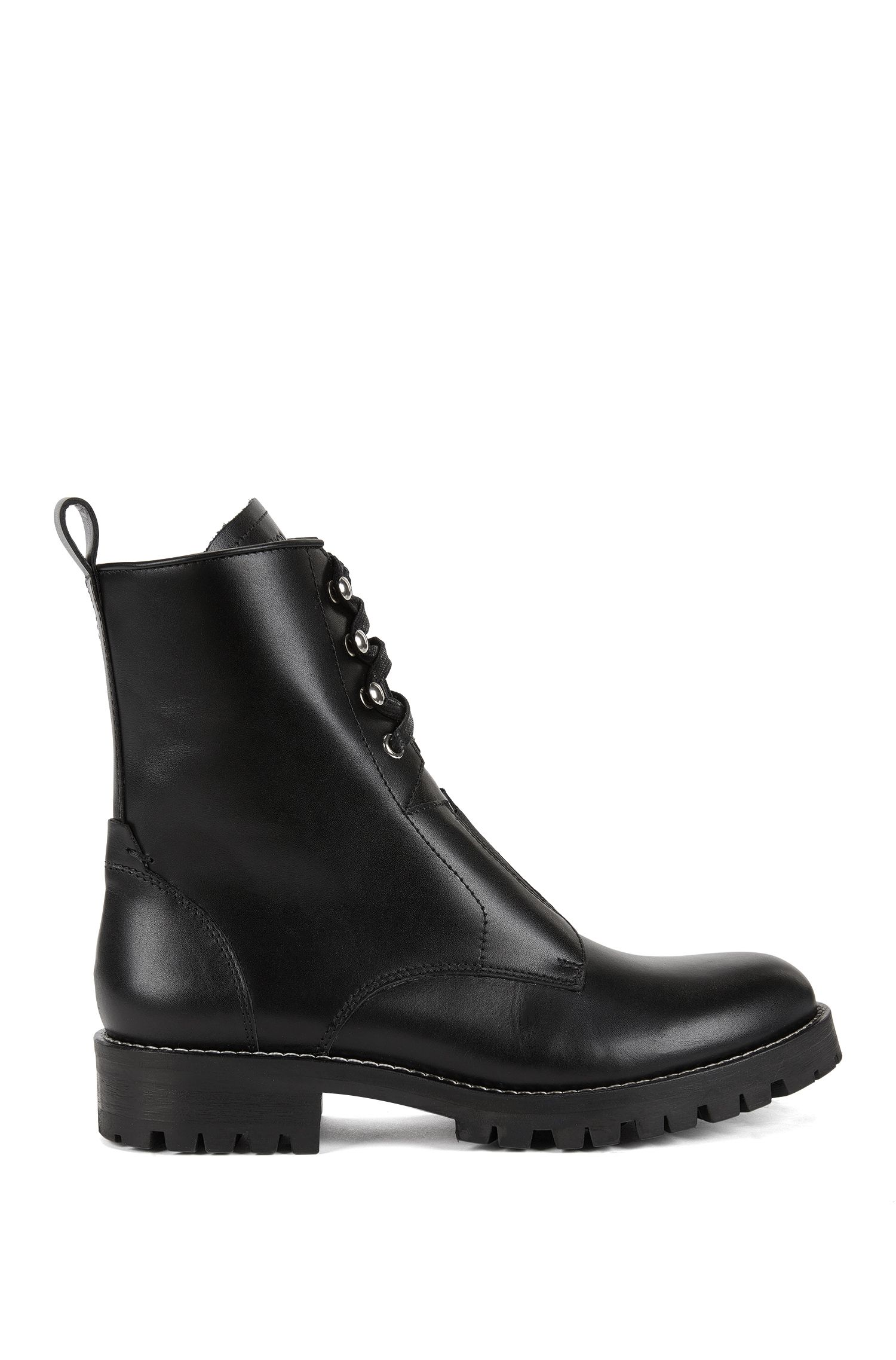 Lace-up boots in Italian leather