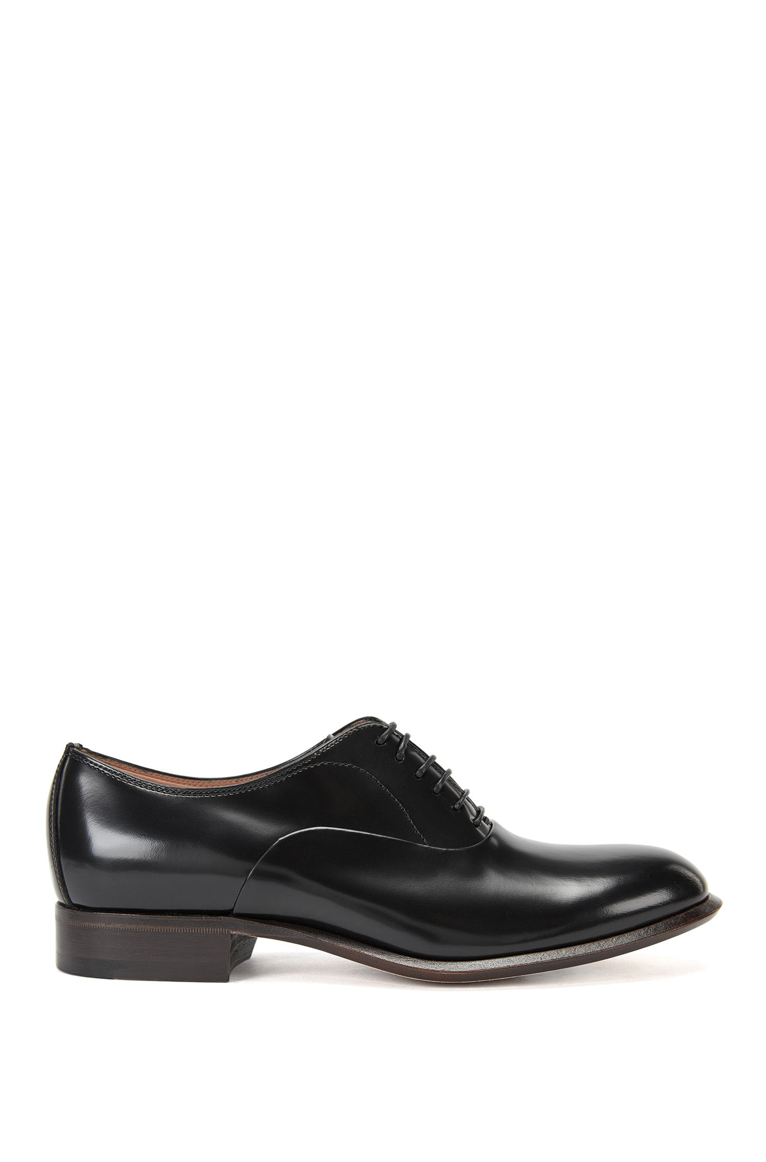 Lace-up shoes in Italian leather