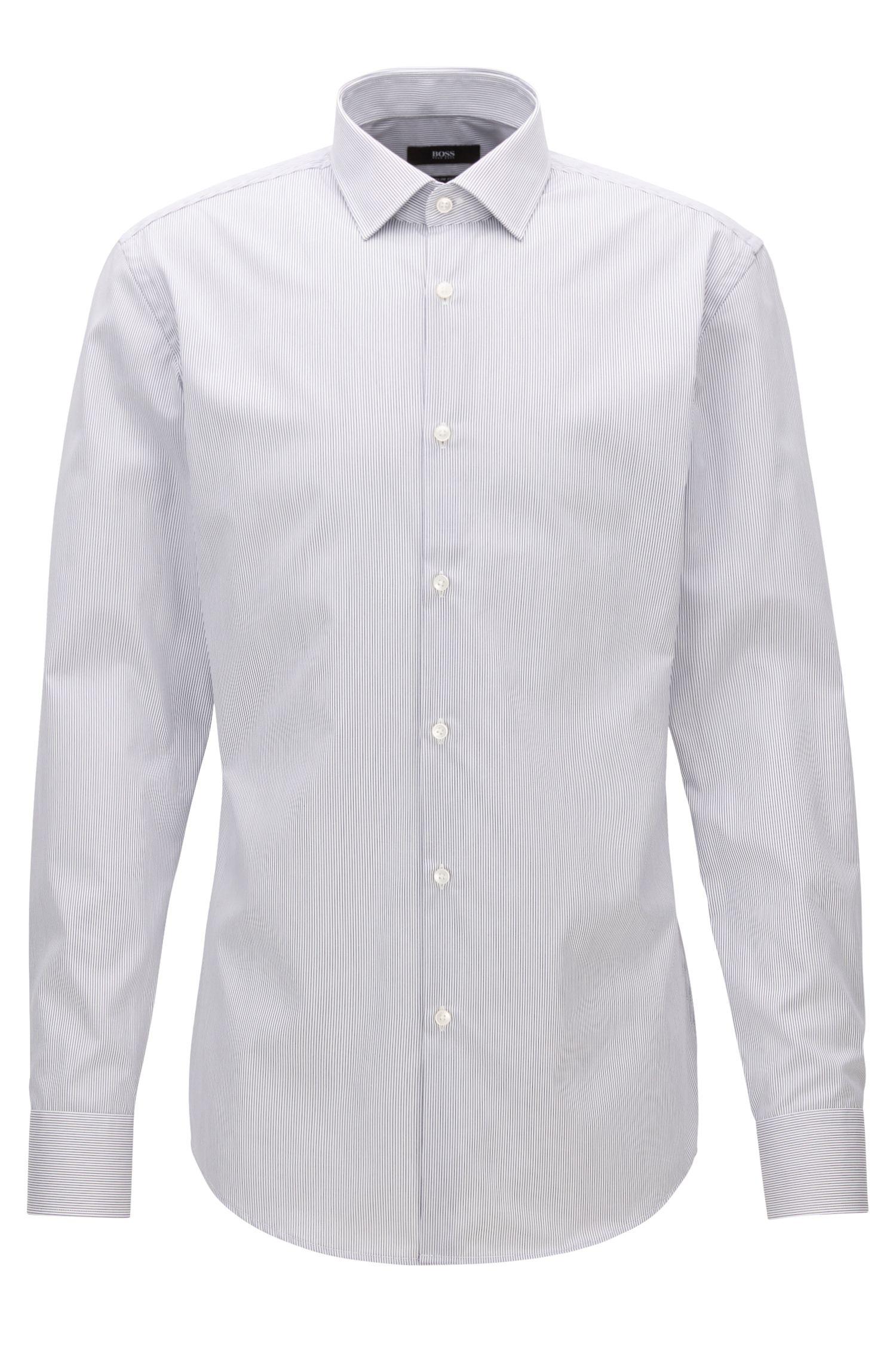 Chemise Slim Fit à fines rayures en coton facile à repasser