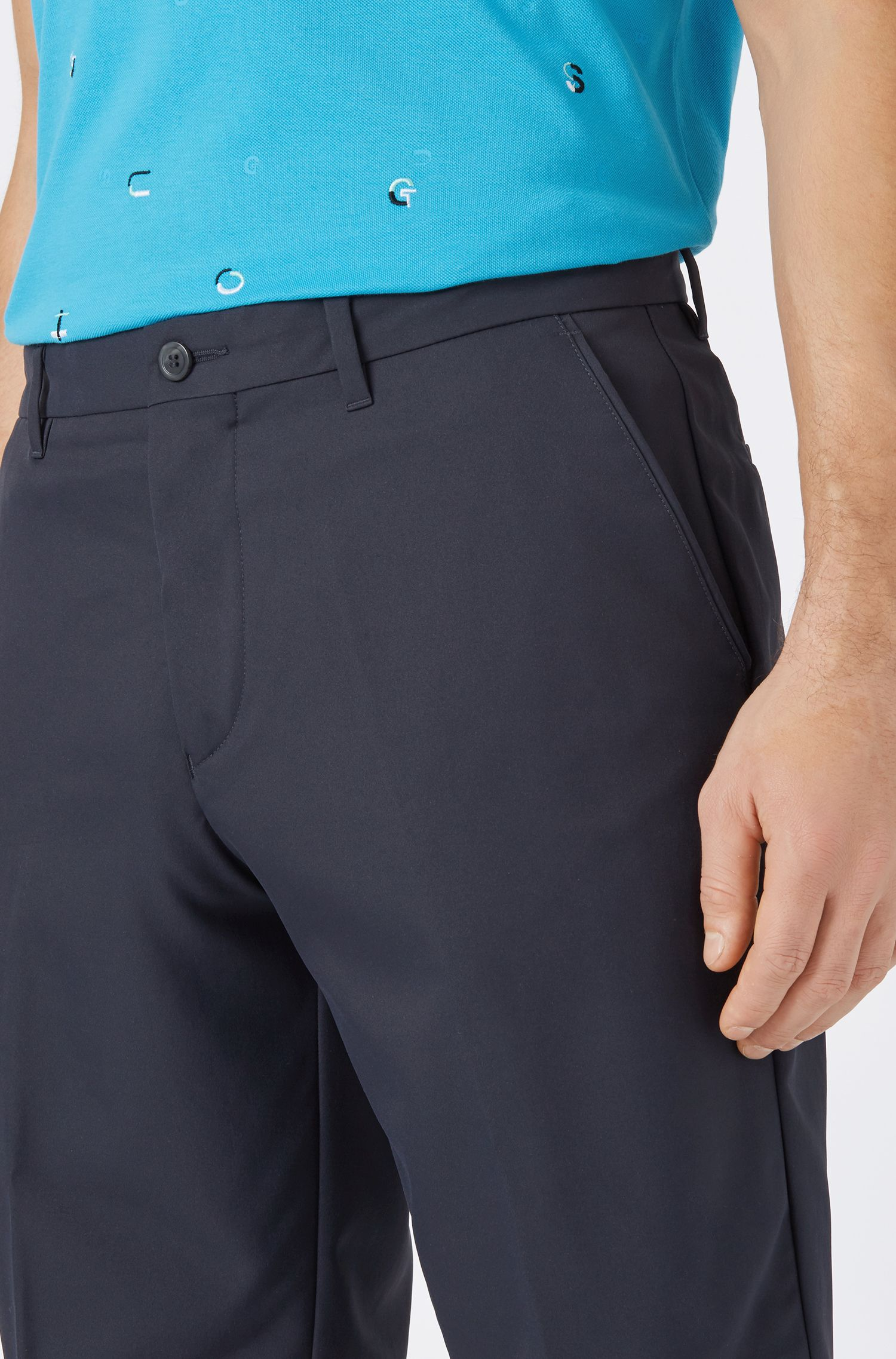 Regular-fit golf shorts in technical twill, Dark Blue