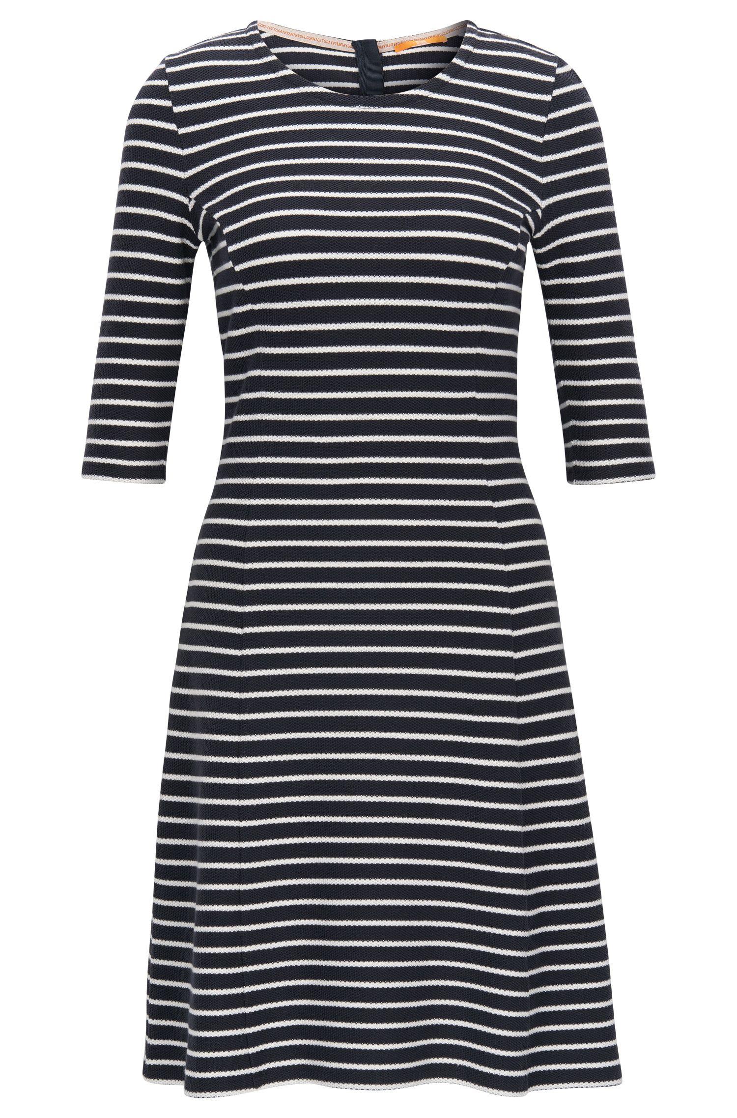 A-lijn jurk, van katoenjersey met gestructureerd streepdessin