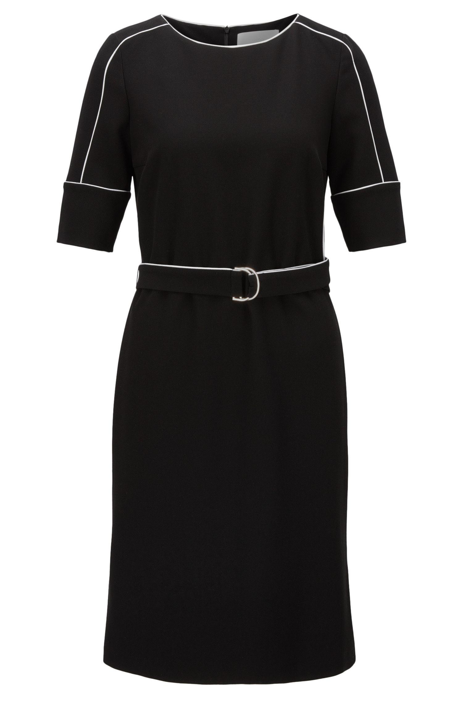 Relaxed-Fit-Kleid aus Material-Mix mit kontrastfarbenen Paspeln