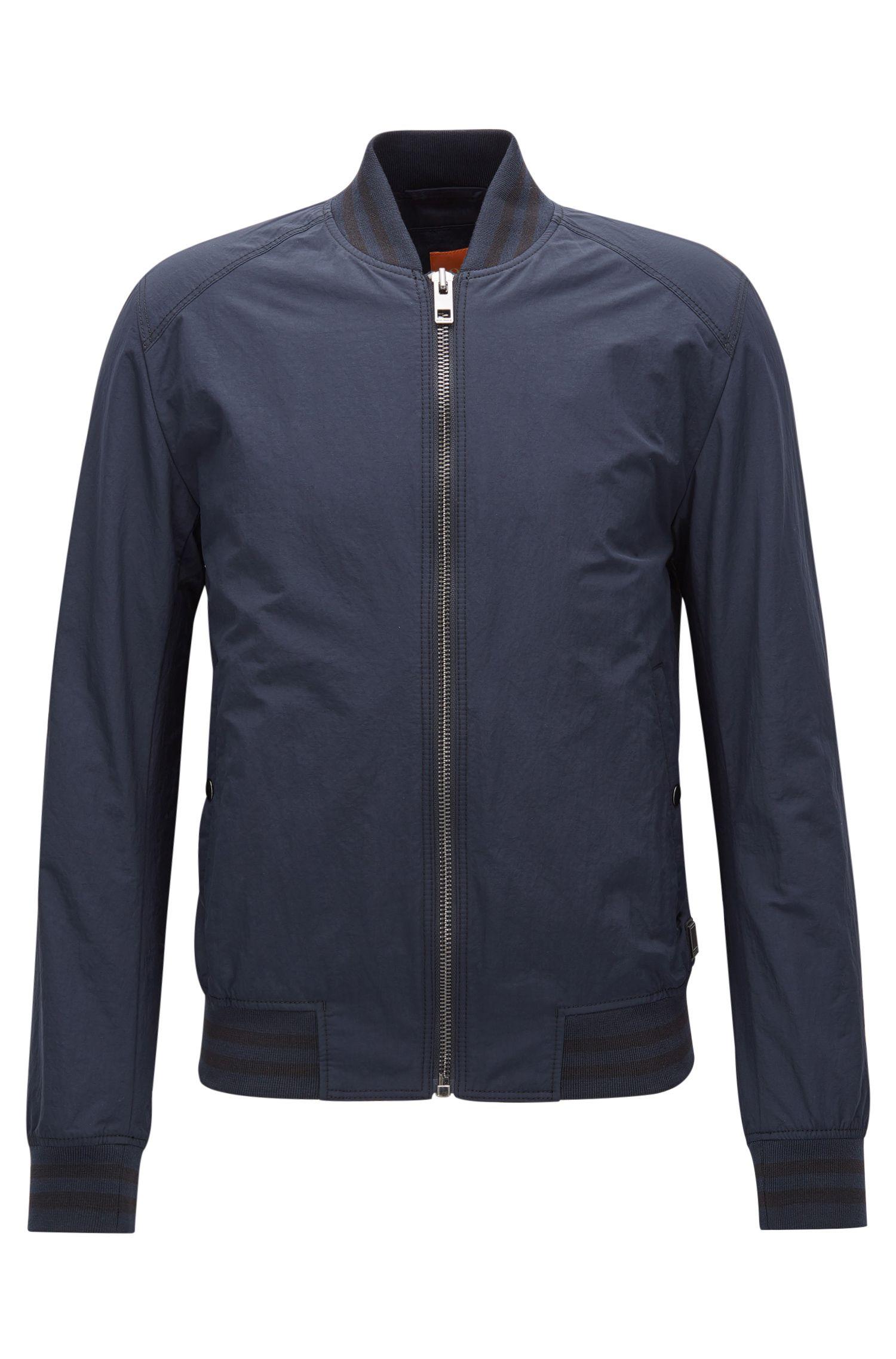 Slim-fit jas van waterafstotend materiaal