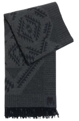 Aztec-pattern scarf in wool jacquard, Patterned