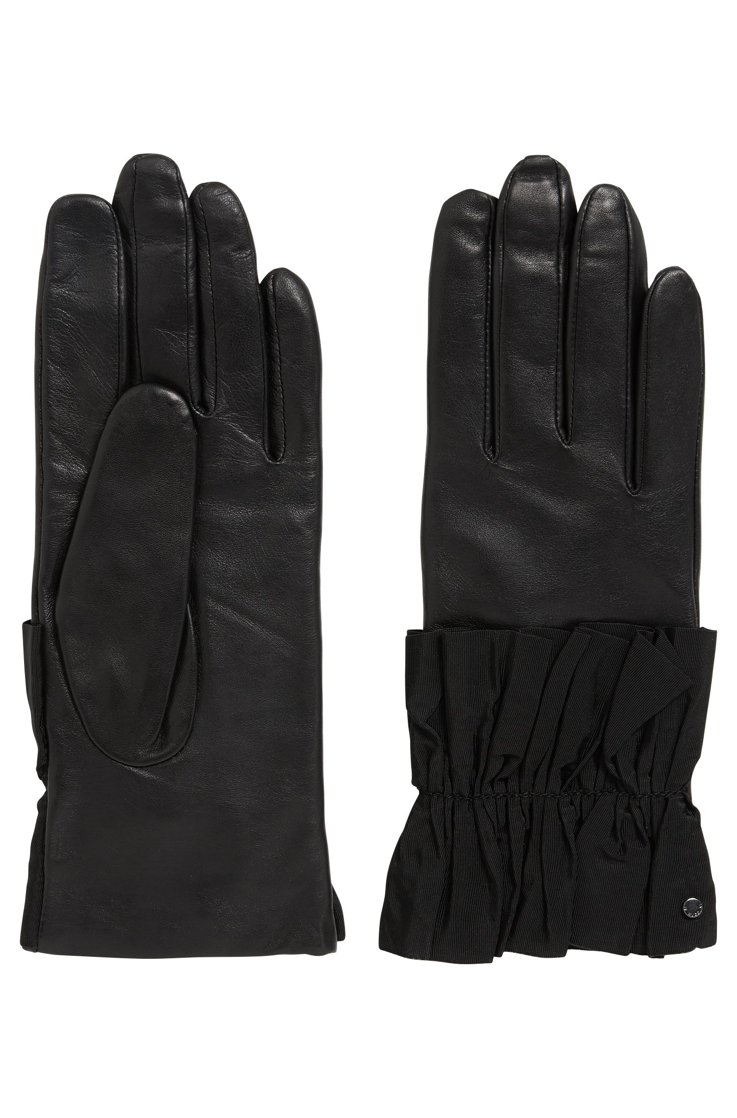 Leather gloves with ruched cuffs