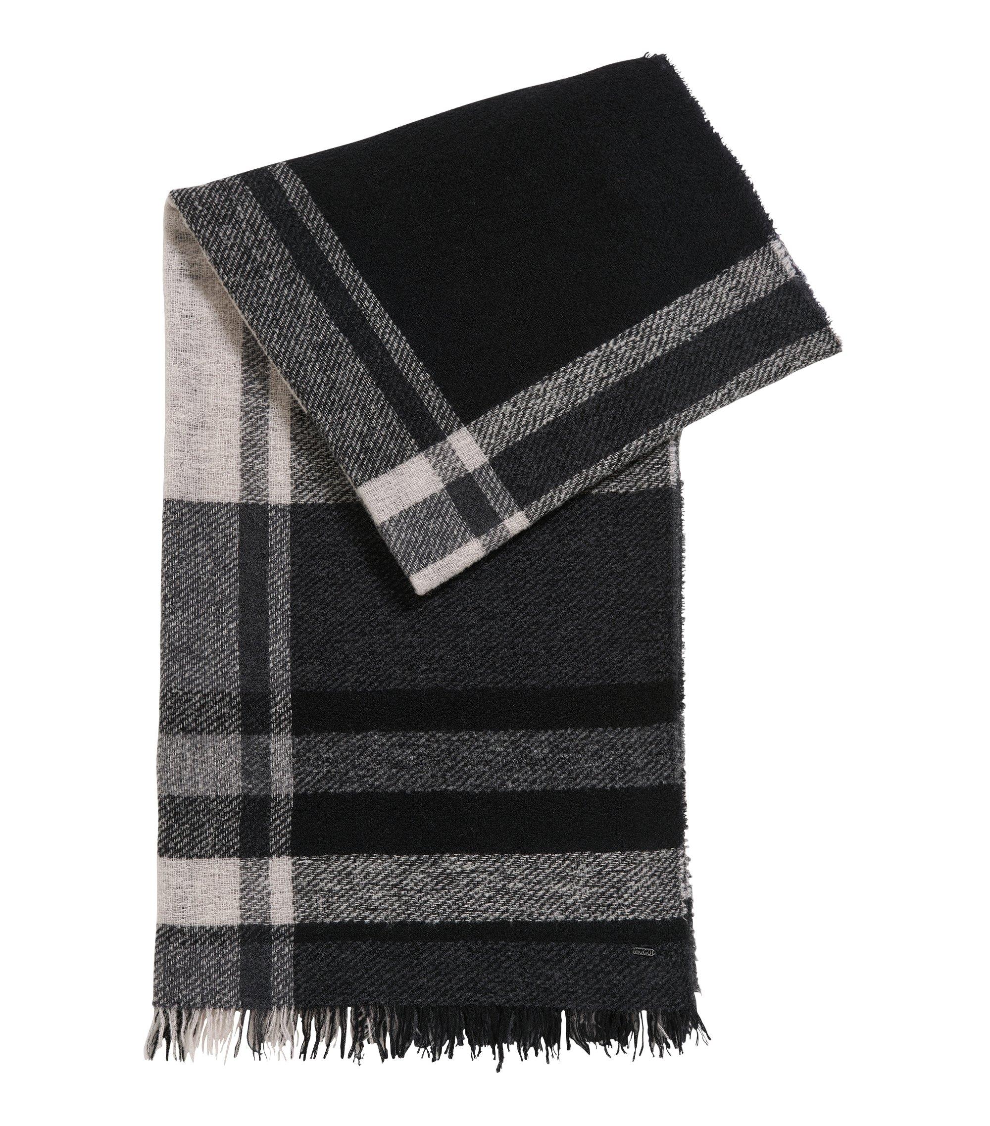 Sjaal van een bouclé-scheerwolmix met ruitdessin, Bedrukt