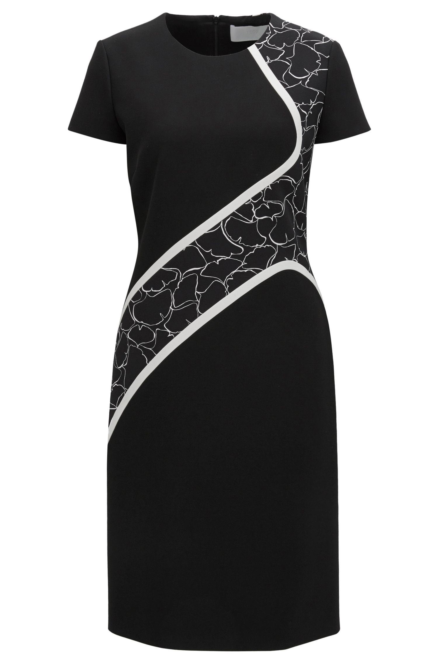 Nauwsluitende jurk van stretchmateriaal