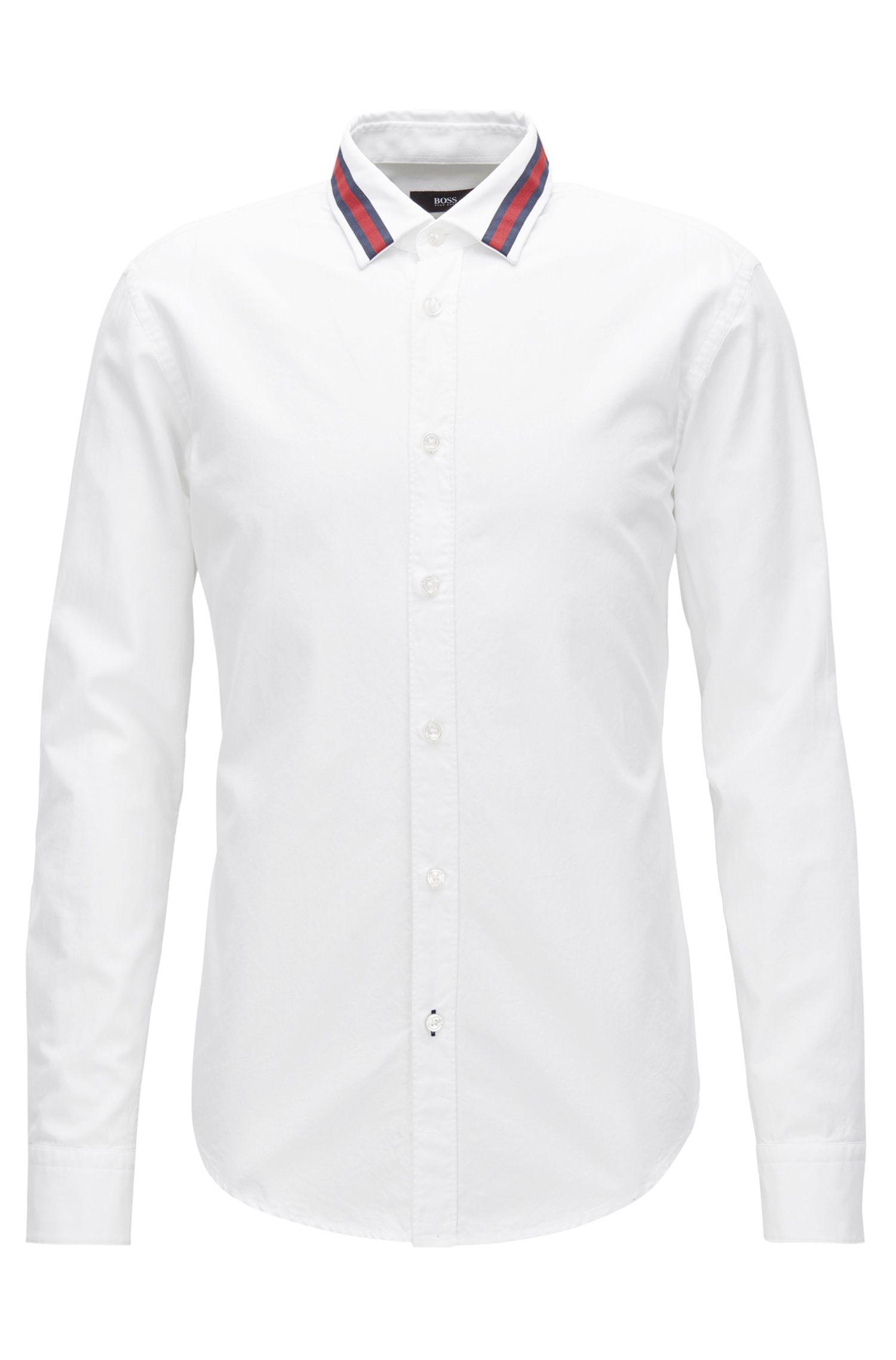 Slim-fit overhemd van katoen met geaccentueerde kraag
