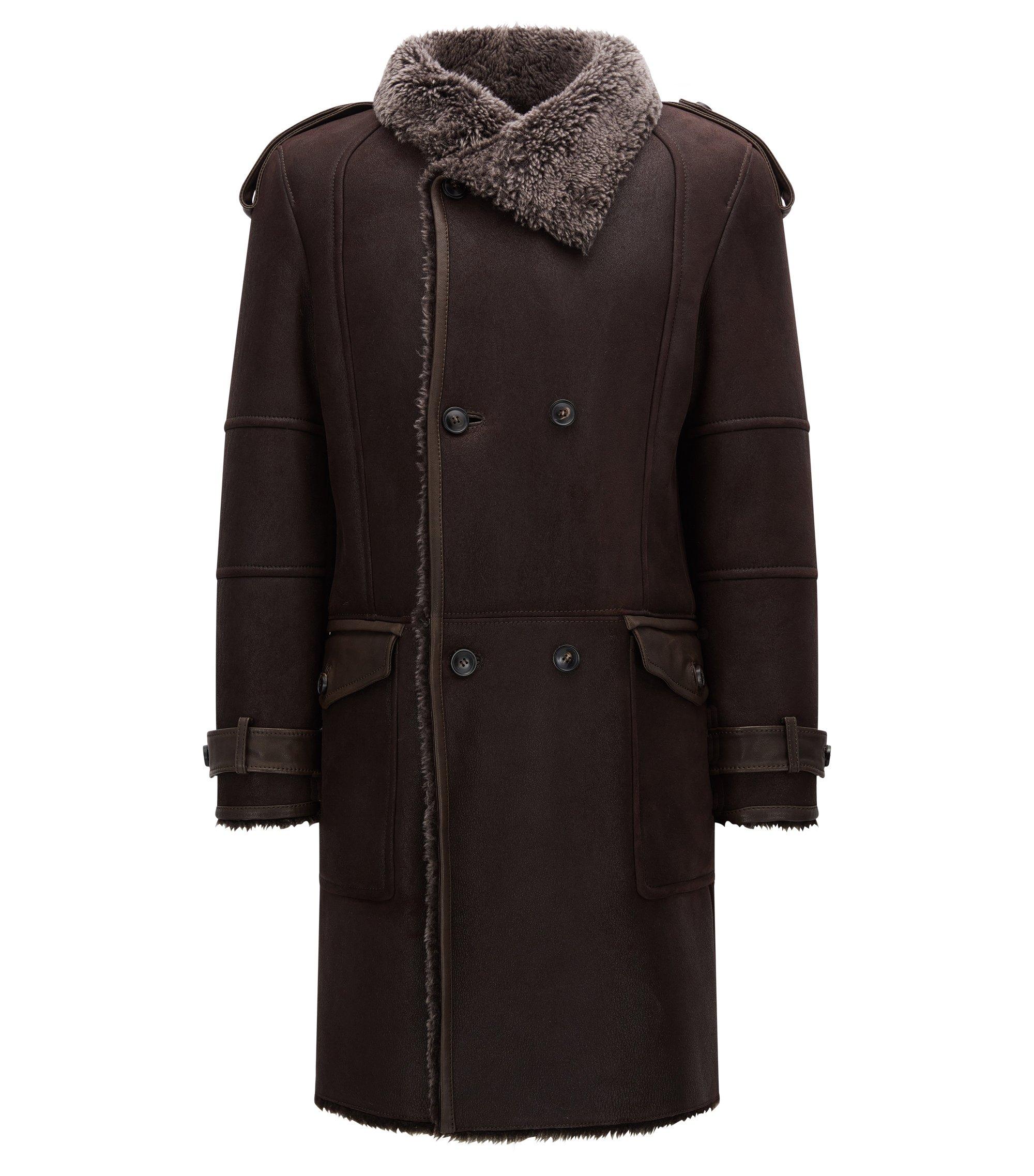 Zweireihiger Slim-Fit Mantel aus Lammfell, Dunkelbraun