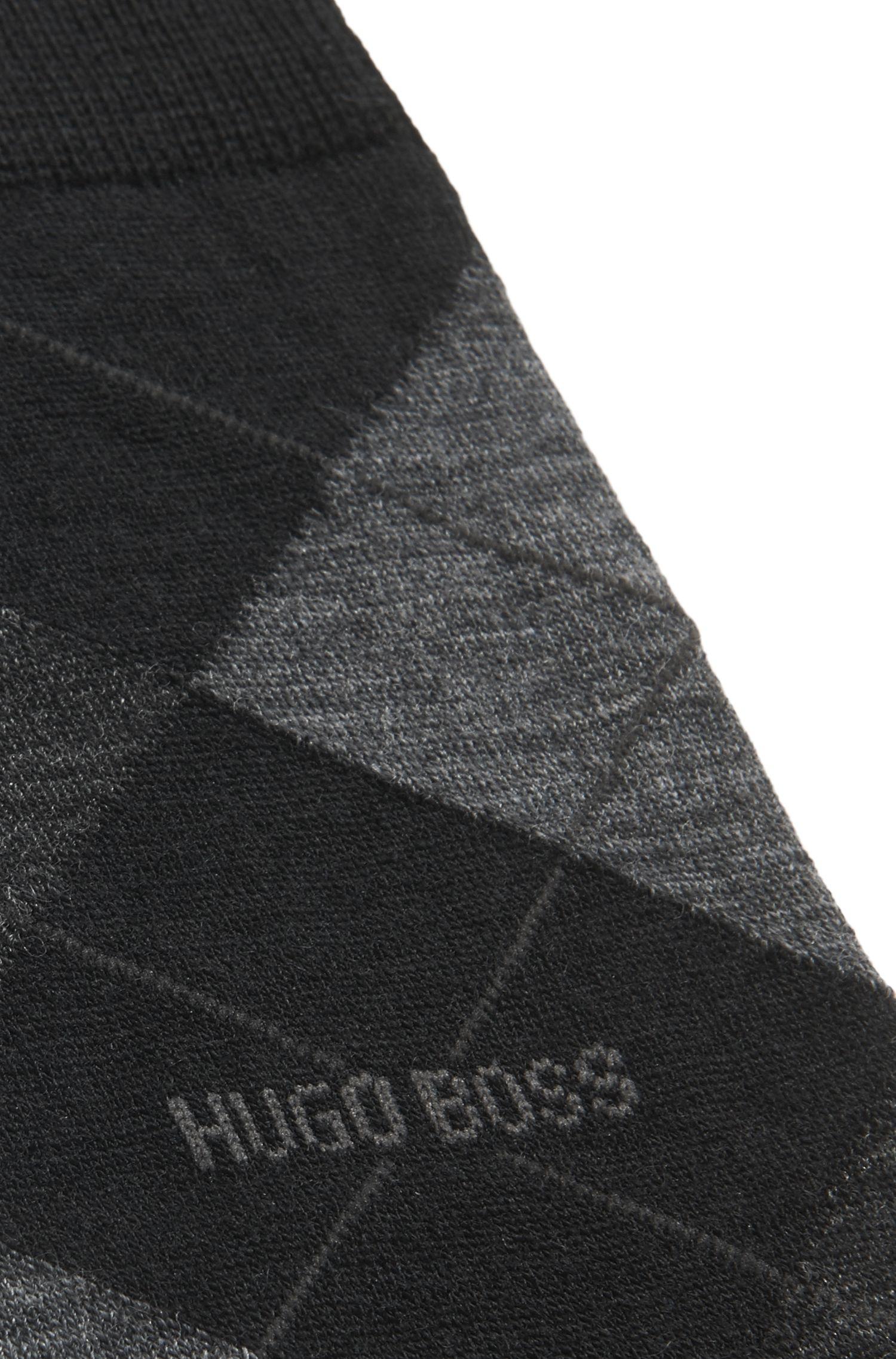 Sokken van temperatuurregulerend materiaal in een normale lengte