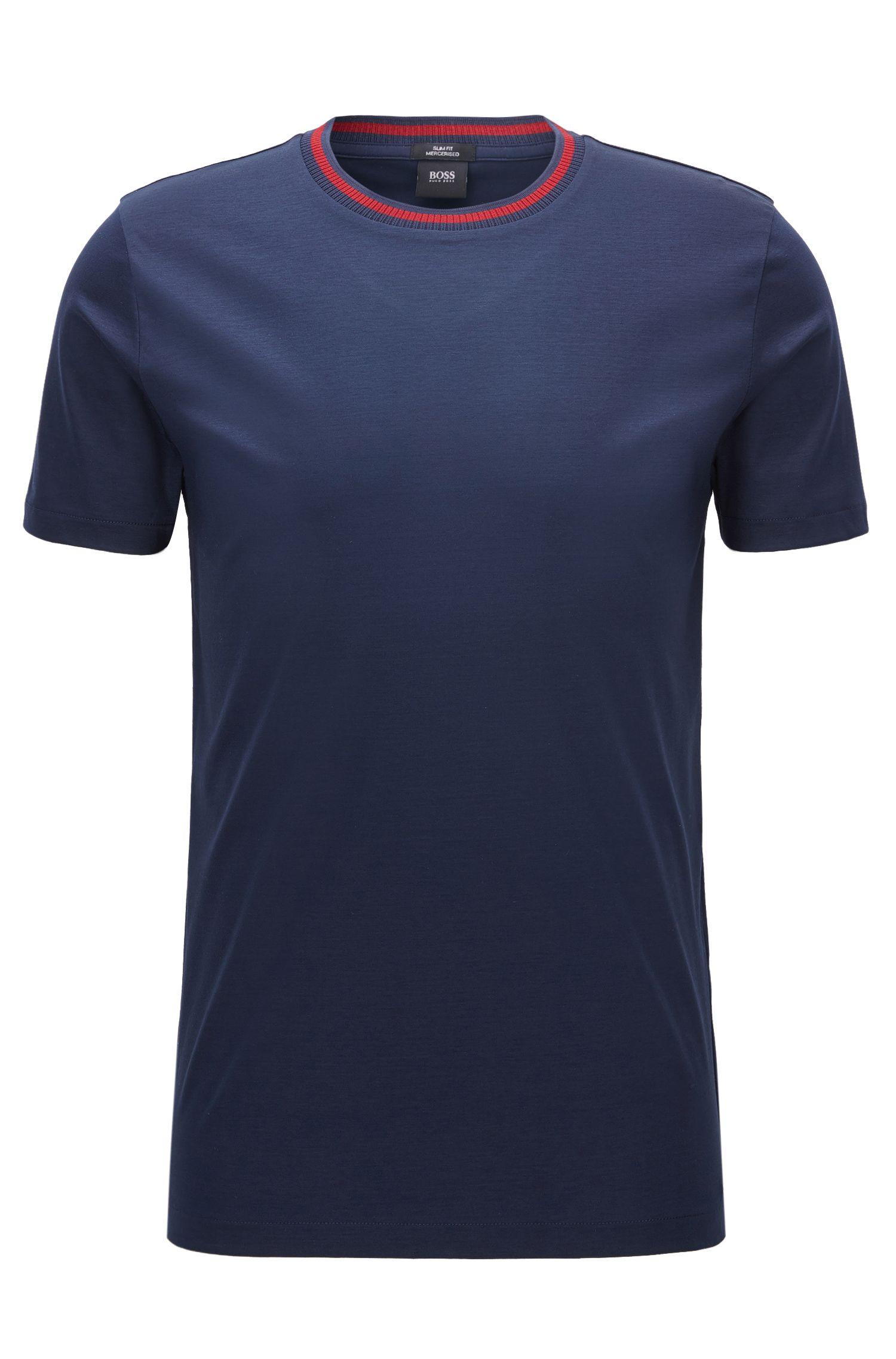 Slim-Fit T-Shirt aus merzerisierter Baumwolle mit kontrastfarbenem Ausschnitt