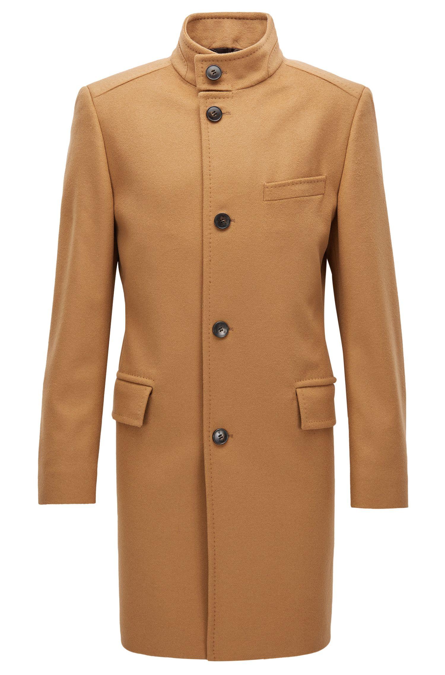 Cappotto regular fit in misto lana vergine con colletto rialzato