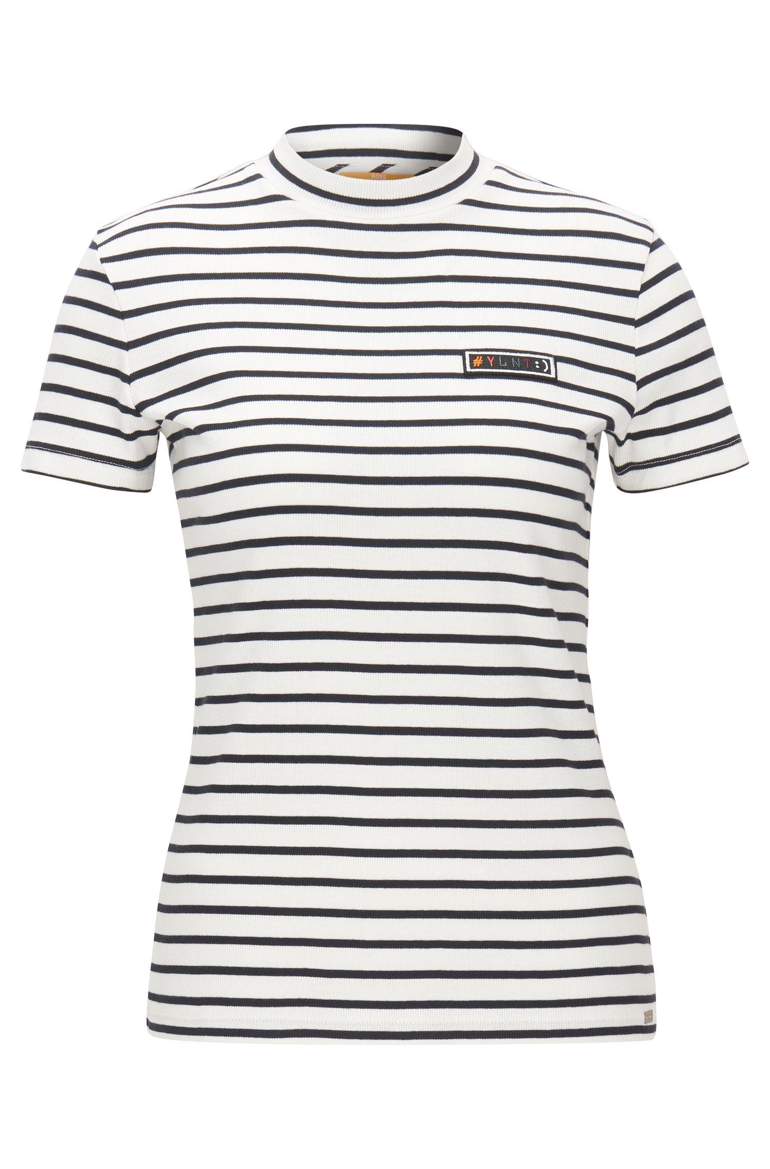 T-shirt Slim Fit en jersey côtelé à rayures