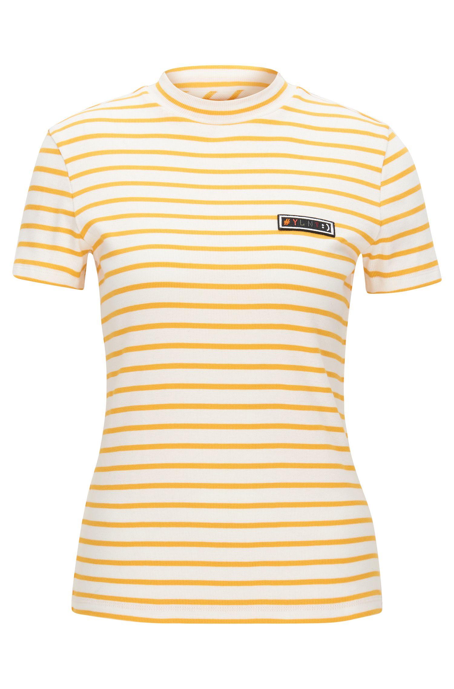 Slim-fit T-shirt van gestreepte, geribde jersey