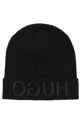 Logo-embroidered beanie hat in knitted wool, Black