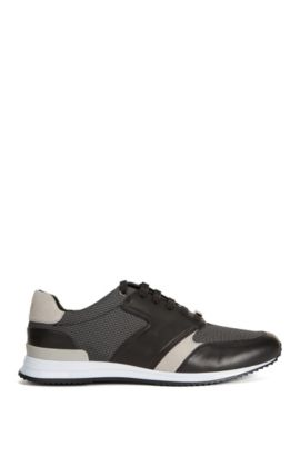 Running trainers in a leather and textile mix, Grey