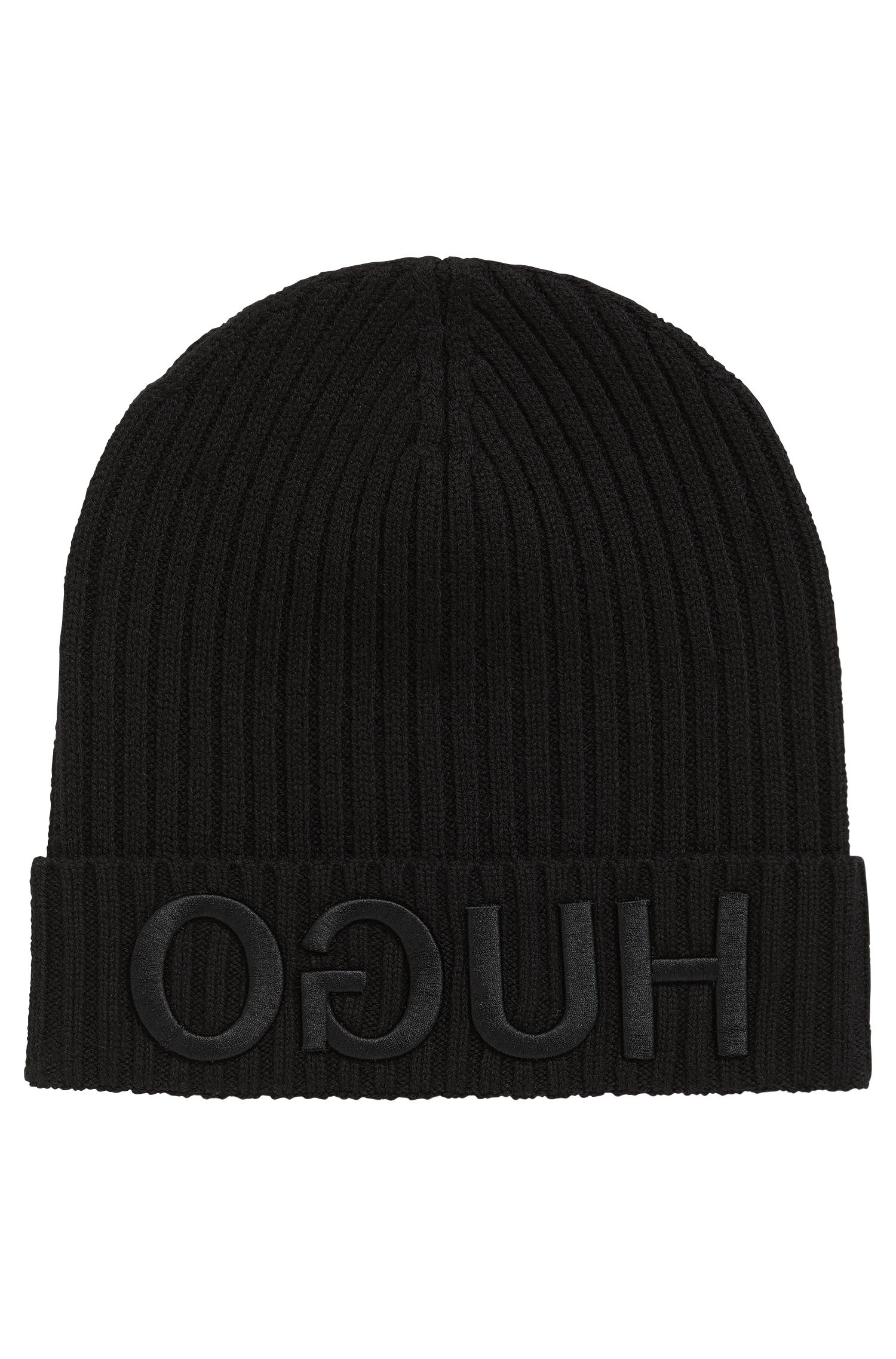 Knitted beanie with 3D reversed logo