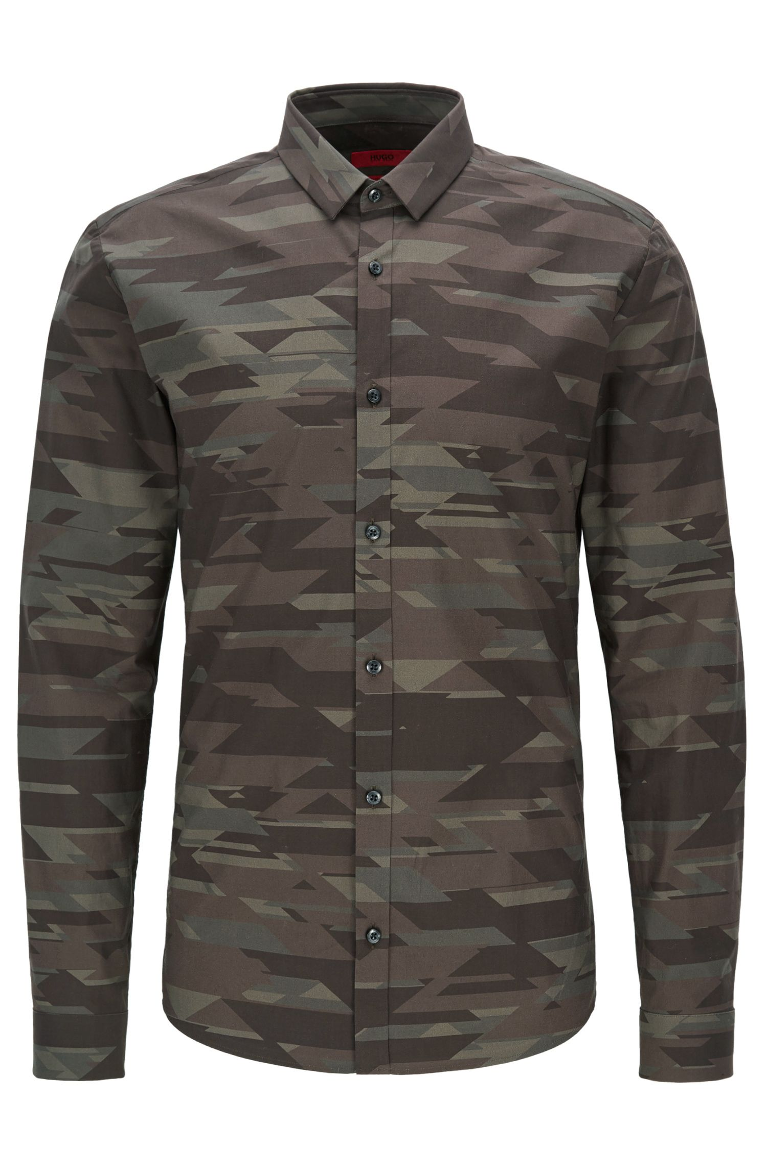 Slim-fit cotton shirt in camouflage print