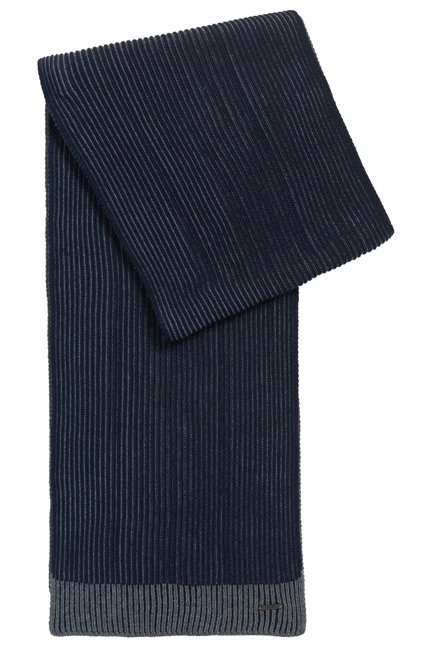Geribde sjaal van scheerwol