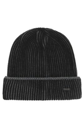 Beanie hat in plaited virgin wool, Black