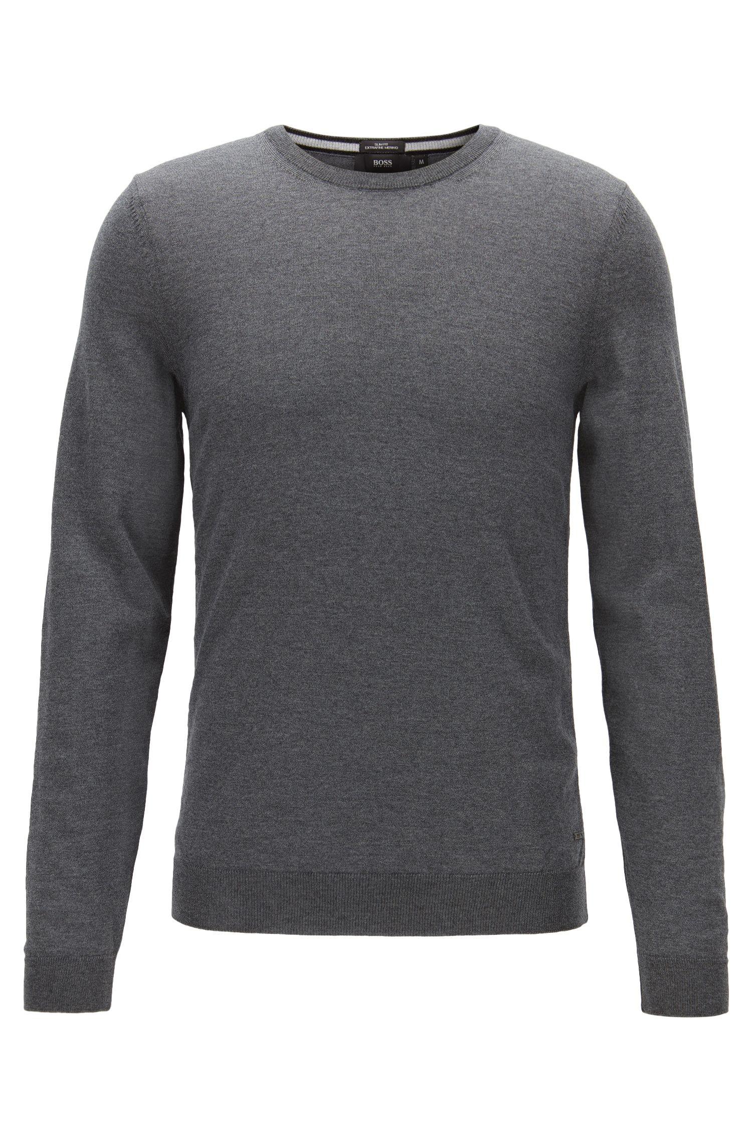 Maglione slim fit in pura lana merino