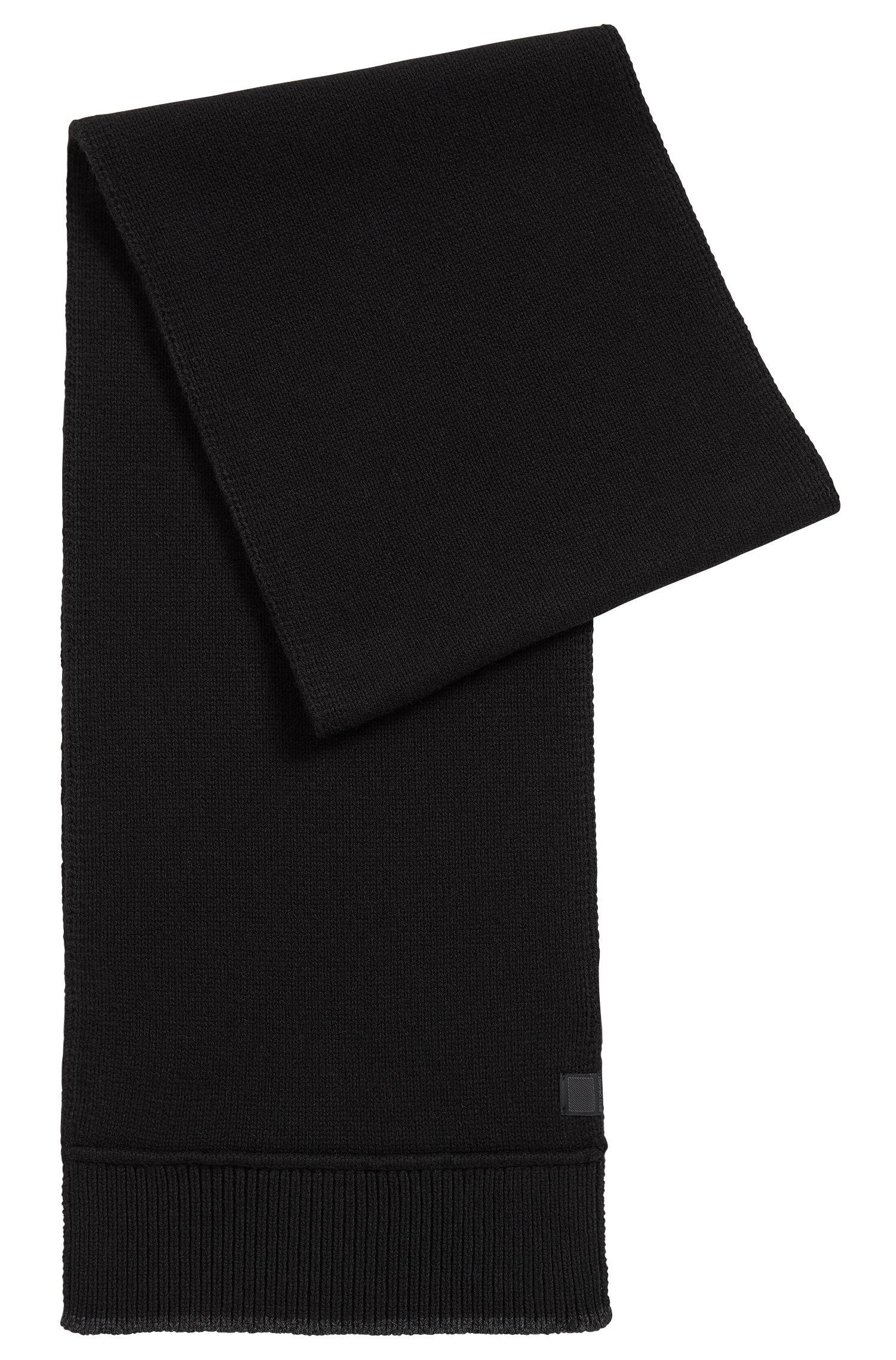 Bufanda con ribeteado contrastado en hilo italiano