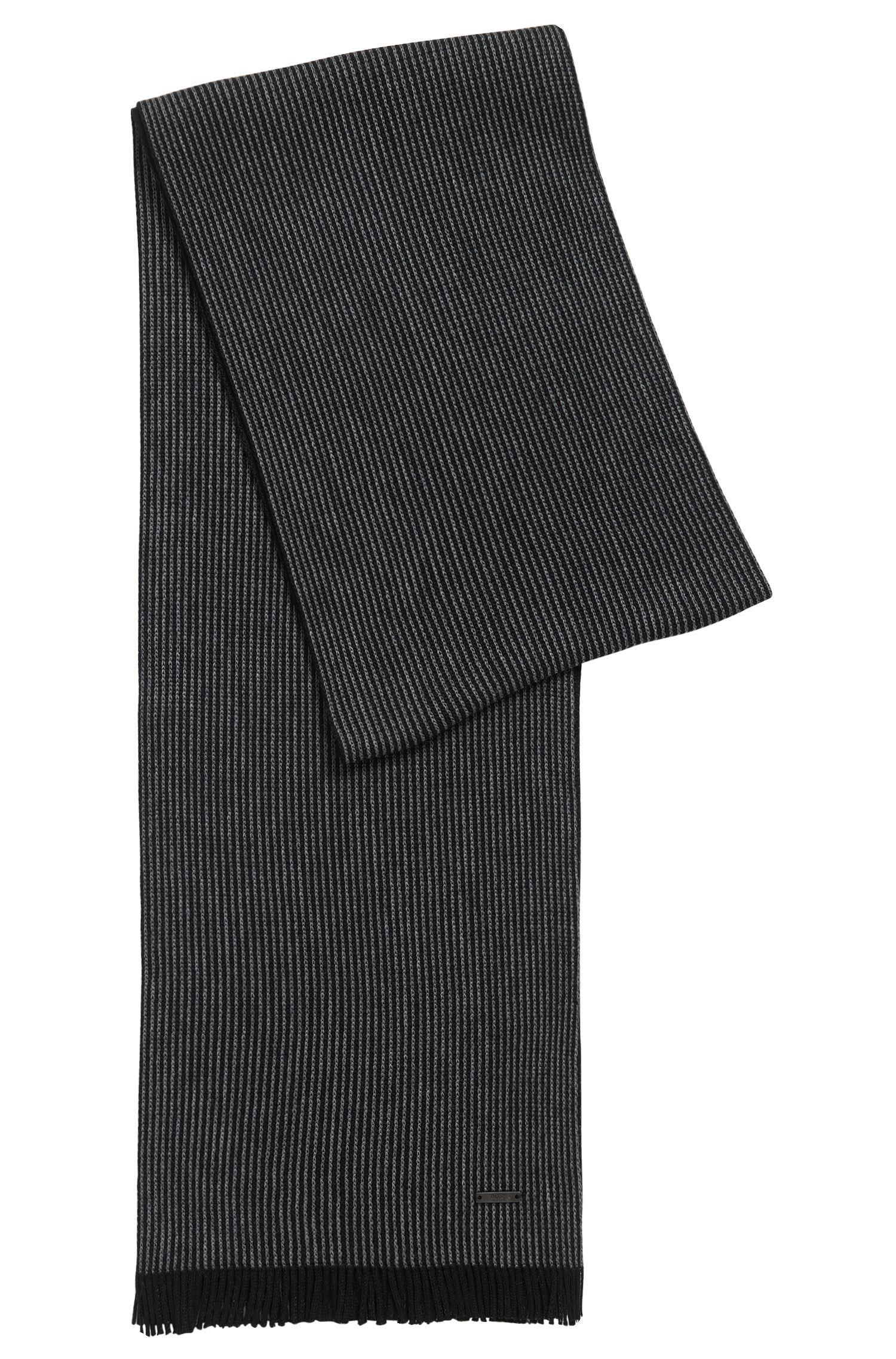 Sciarpa con motivo gessato in lana vergine