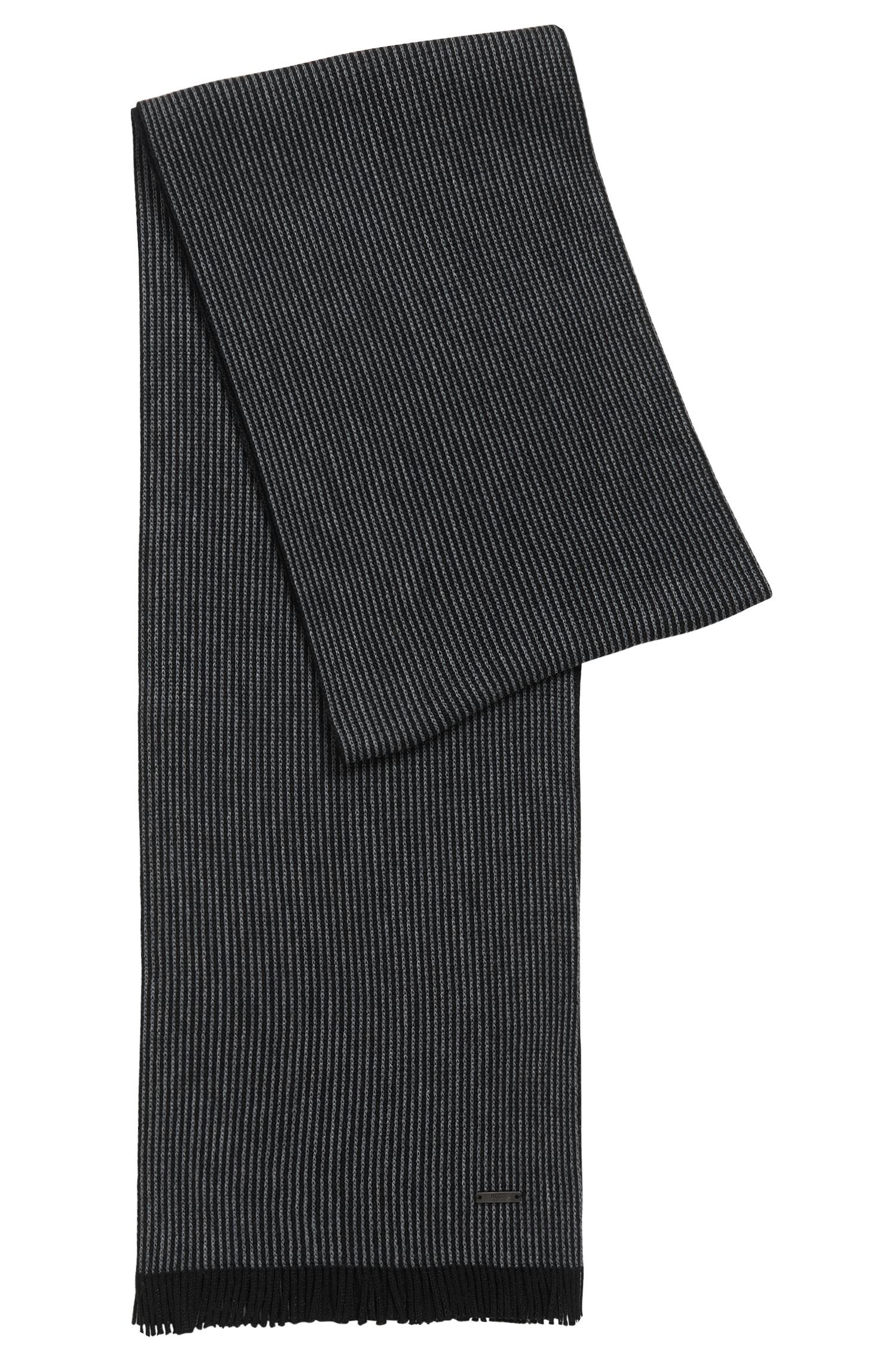 Schal aus Schurwolle mit Nadelstreifen